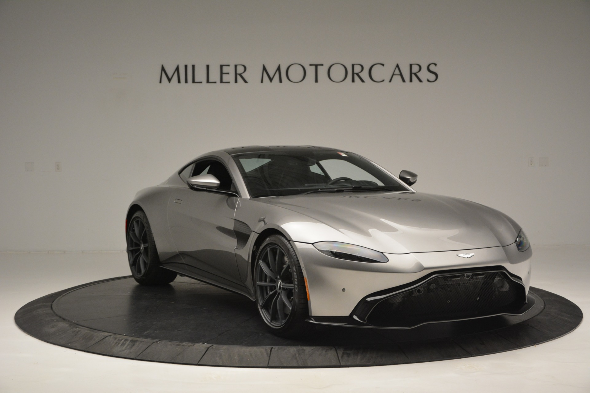 New 2019 Aston Martin Vantage Coupe For Sale In Greenwich, CT 3122_p11