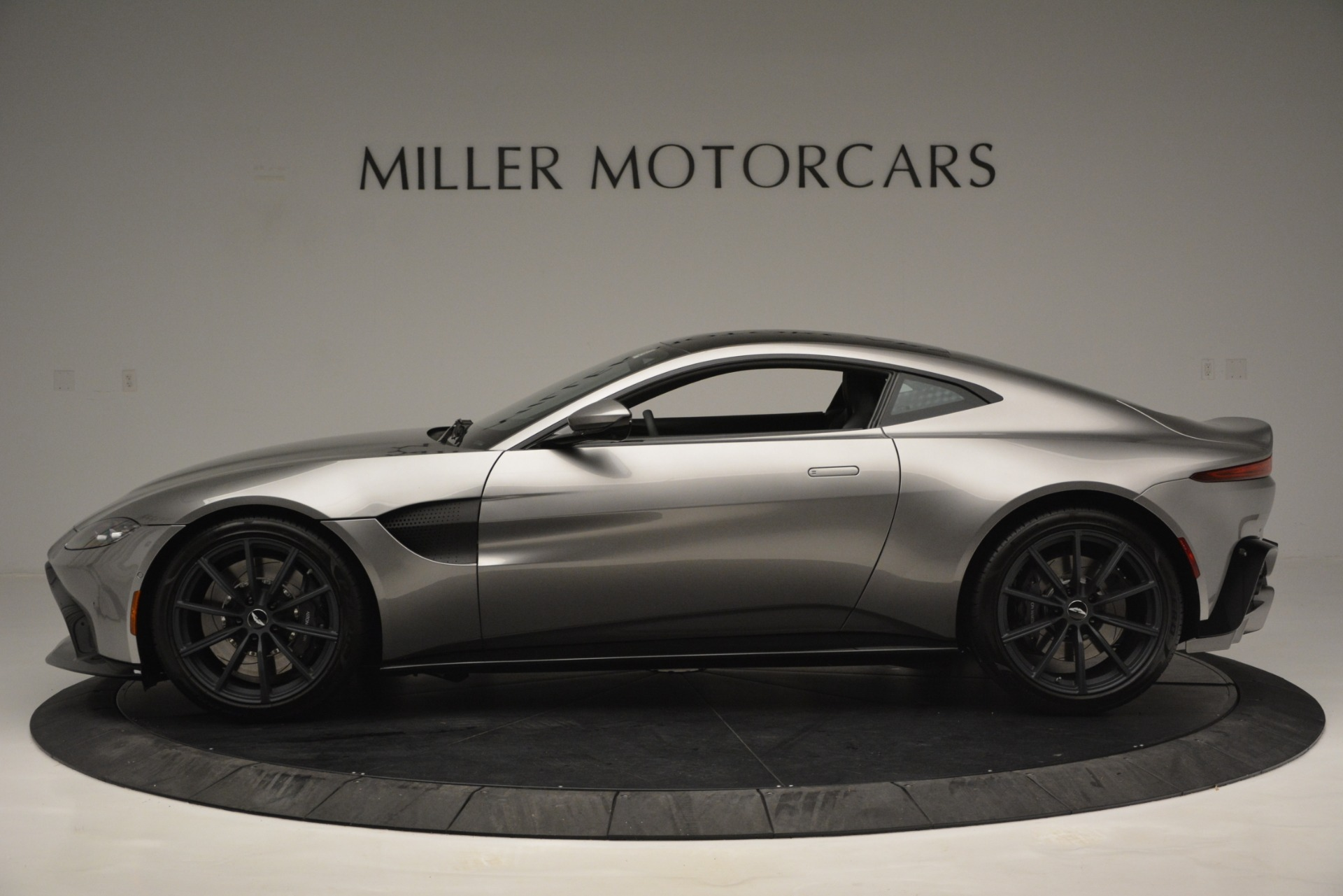 New 2019 Aston Martin Vantage Coupe For Sale In Greenwich, CT 3122_p3