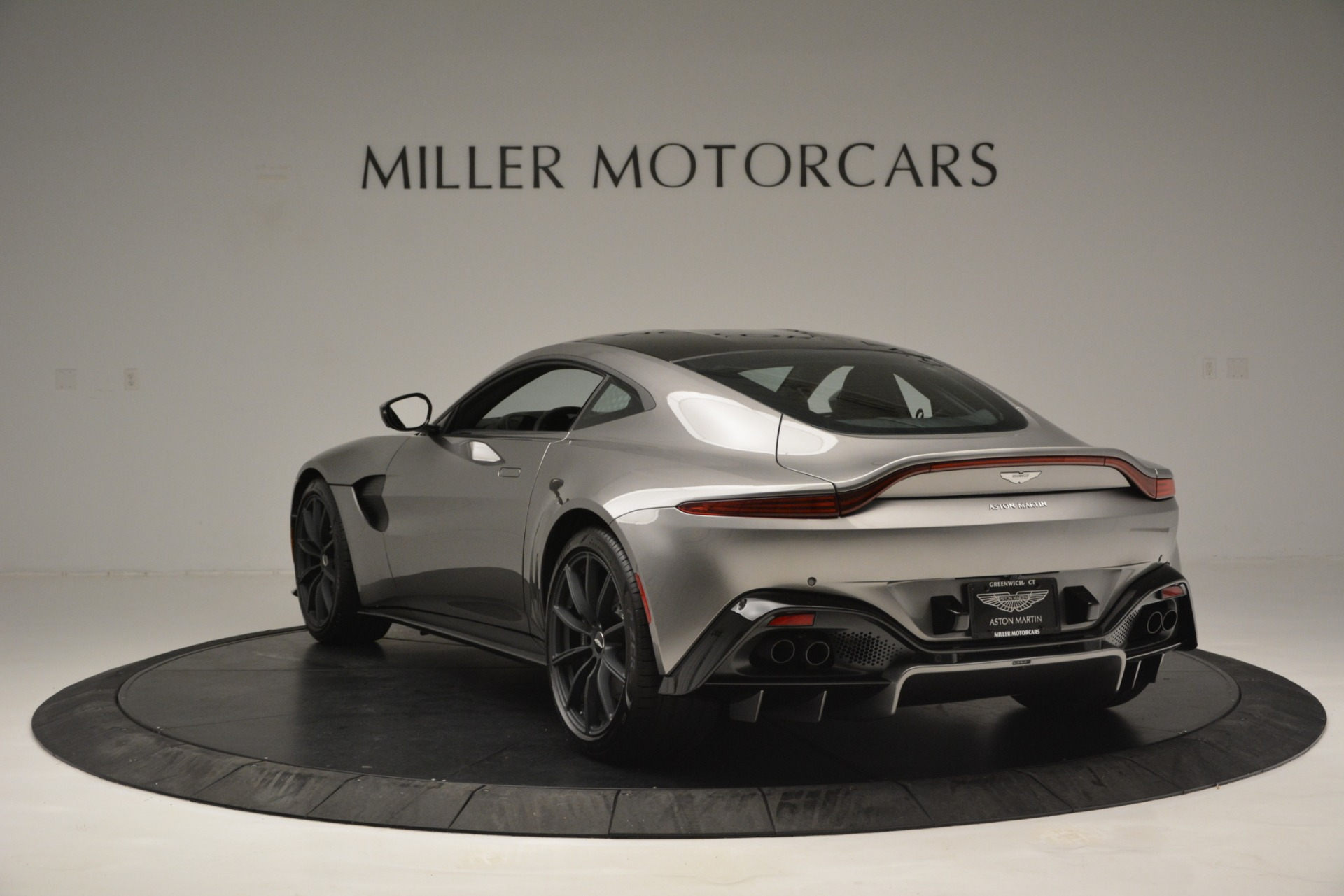 New 2019 Aston Martin Vantage Coupe For Sale In Greenwich, CT 3122_p5