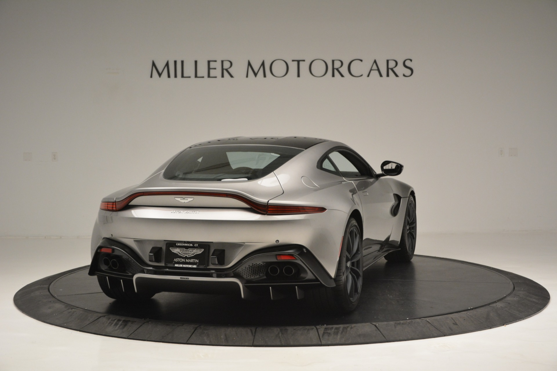 New 2019 Aston Martin Vantage Coupe For Sale In Greenwich, CT 3122_p7