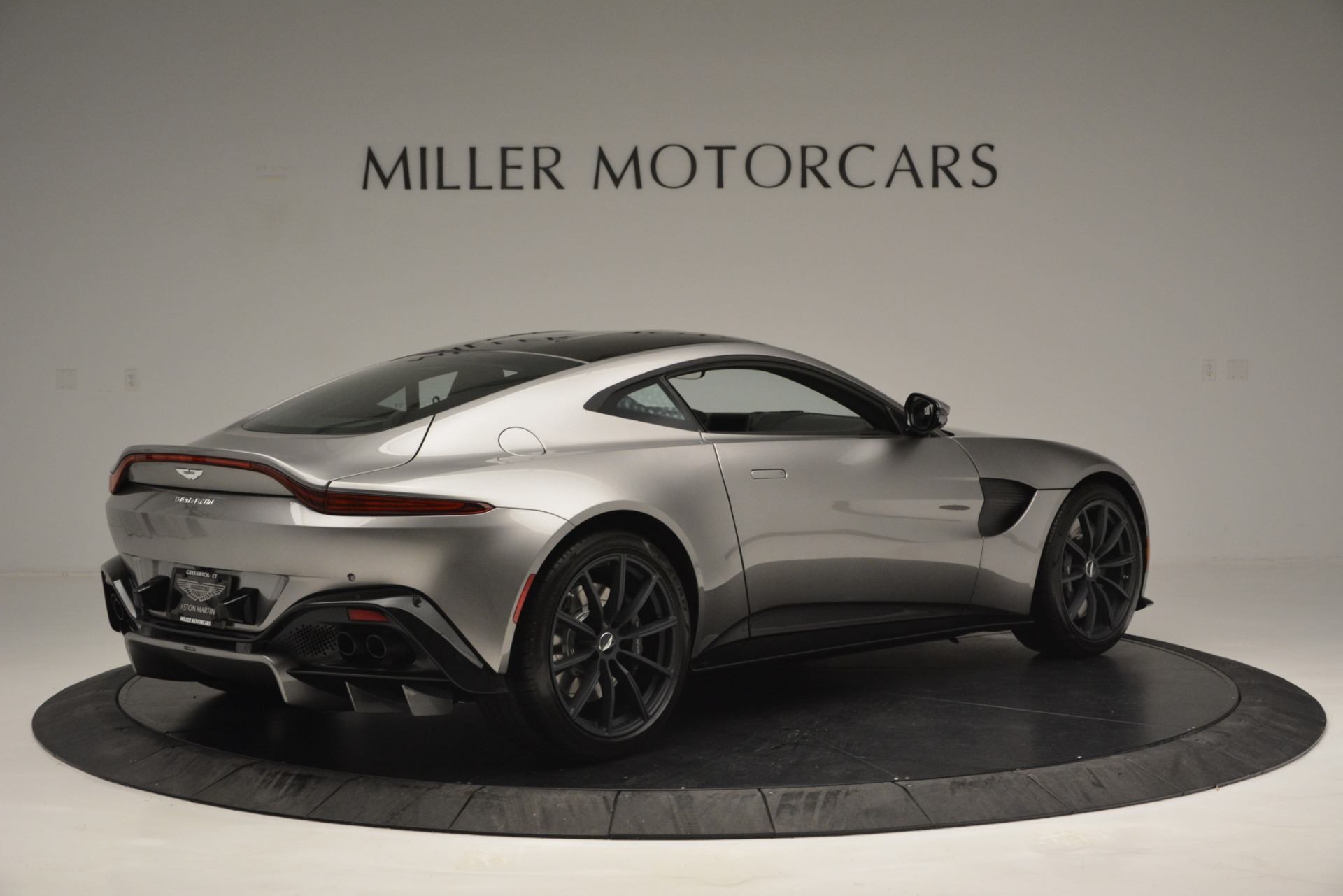 New 2019 Aston Martin Vantage Coupe For Sale In Greenwich, CT 3122_p8