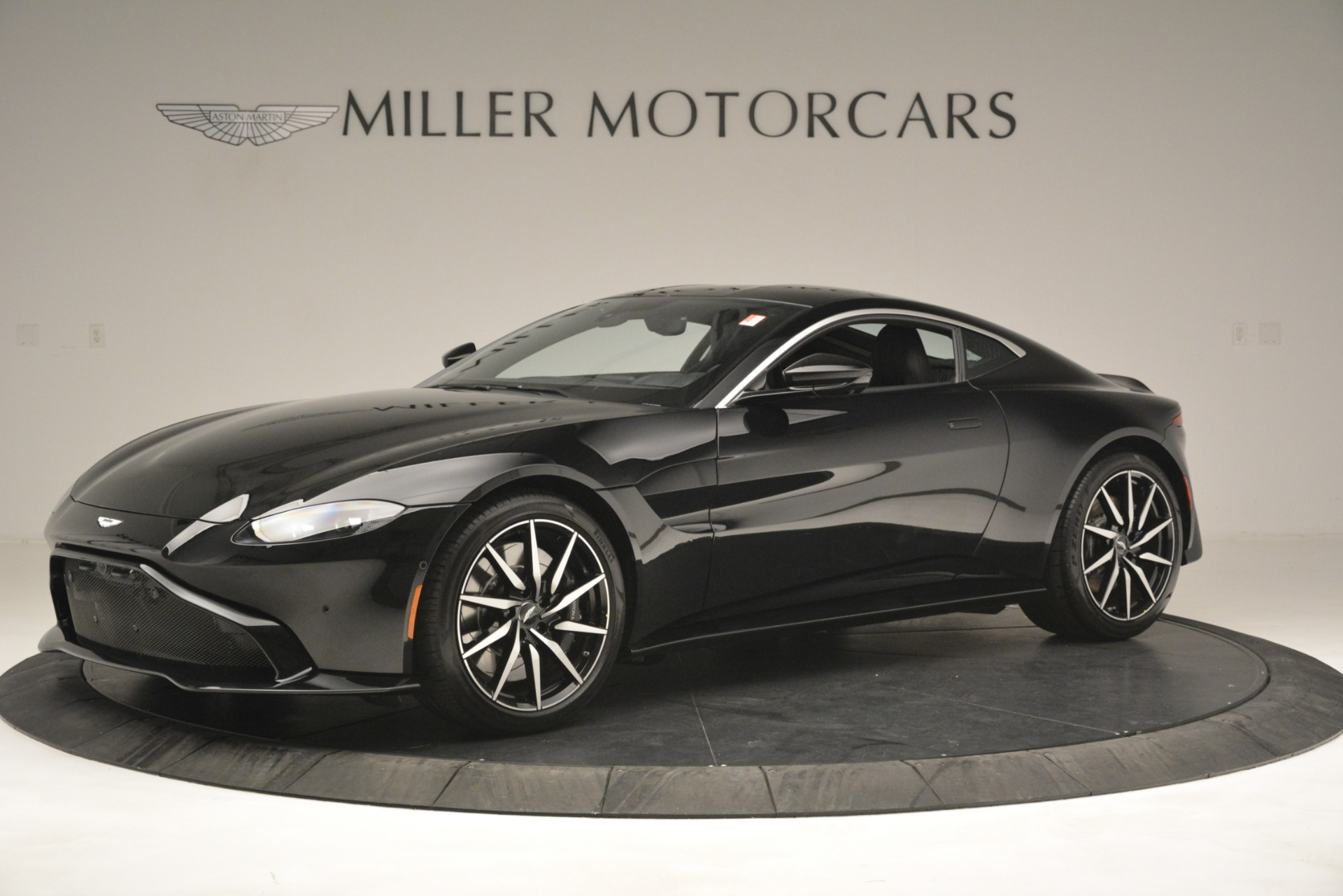 New 2019 Aston Martin Vantage V8 For Sale In Greenwich, CT 3124_main