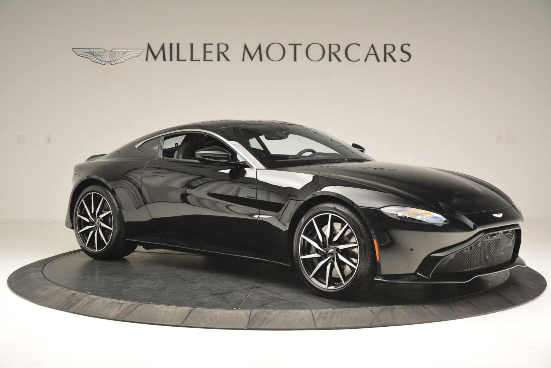 New 2019 Aston Martin Vantage V8 For Sale In Greenwich, CT 3124_p10