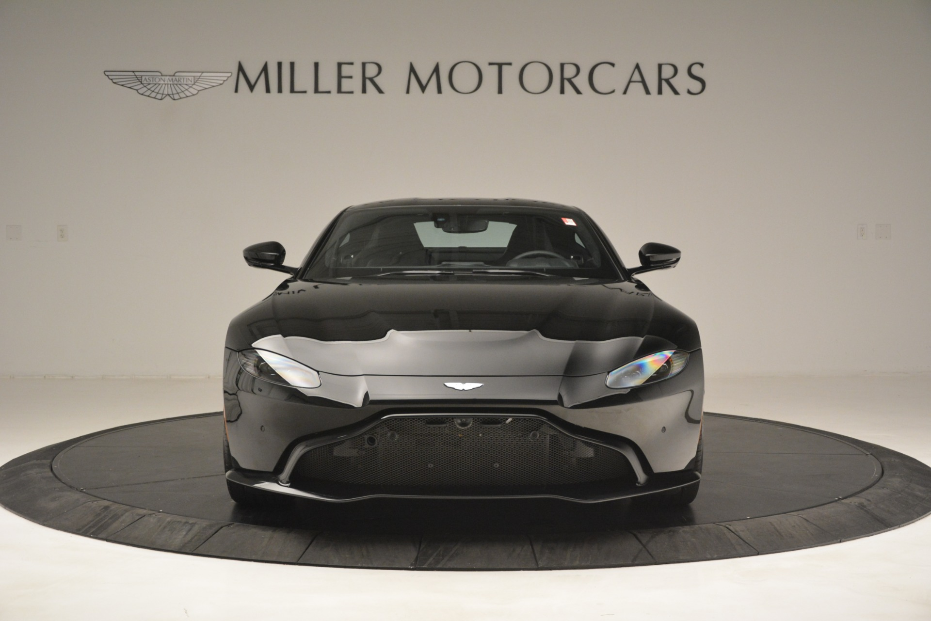 New 2019 Aston Martin Vantage V8 For Sale In Greenwich, CT 3124_p12