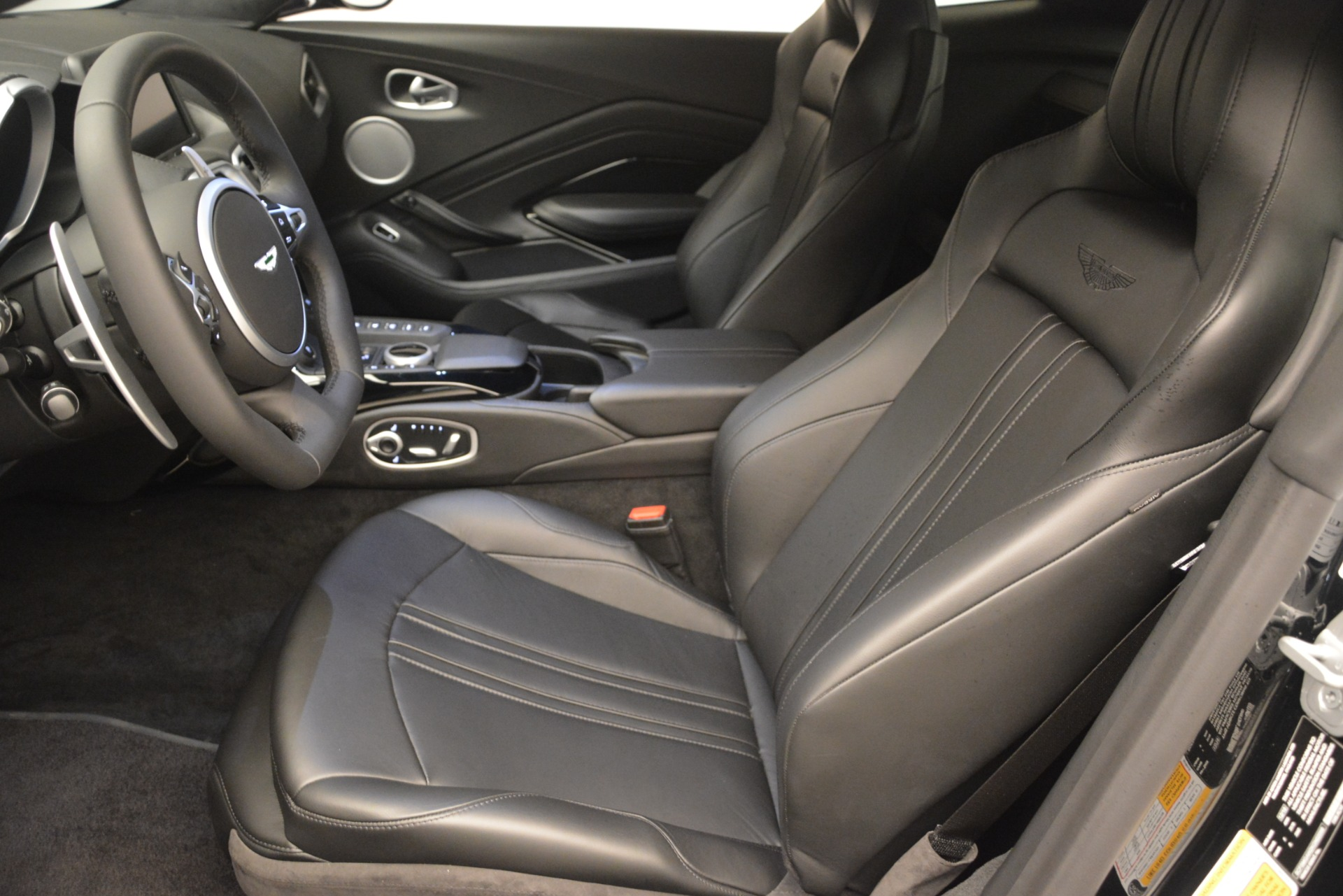New 2019 Aston Martin Vantage V8 For Sale In Greenwich, CT 3124_p14