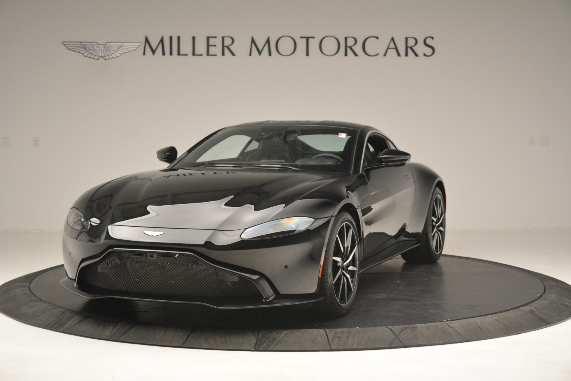 New 2019 Aston Martin Vantage V8 For Sale In Greenwich, CT 3124_p2
