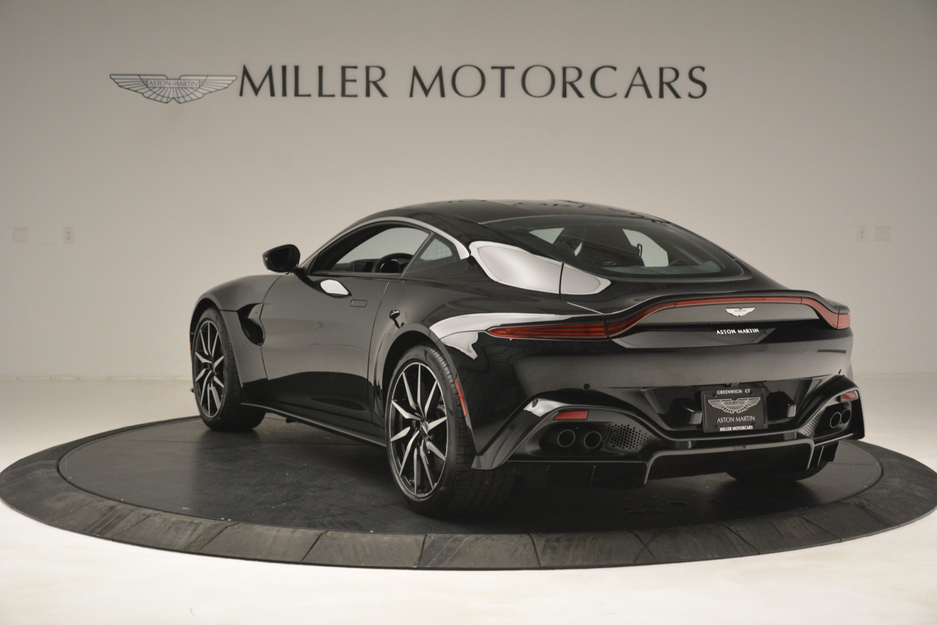 New 2019 Aston Martin Vantage V8 For Sale In Greenwich, CT 3124_p5