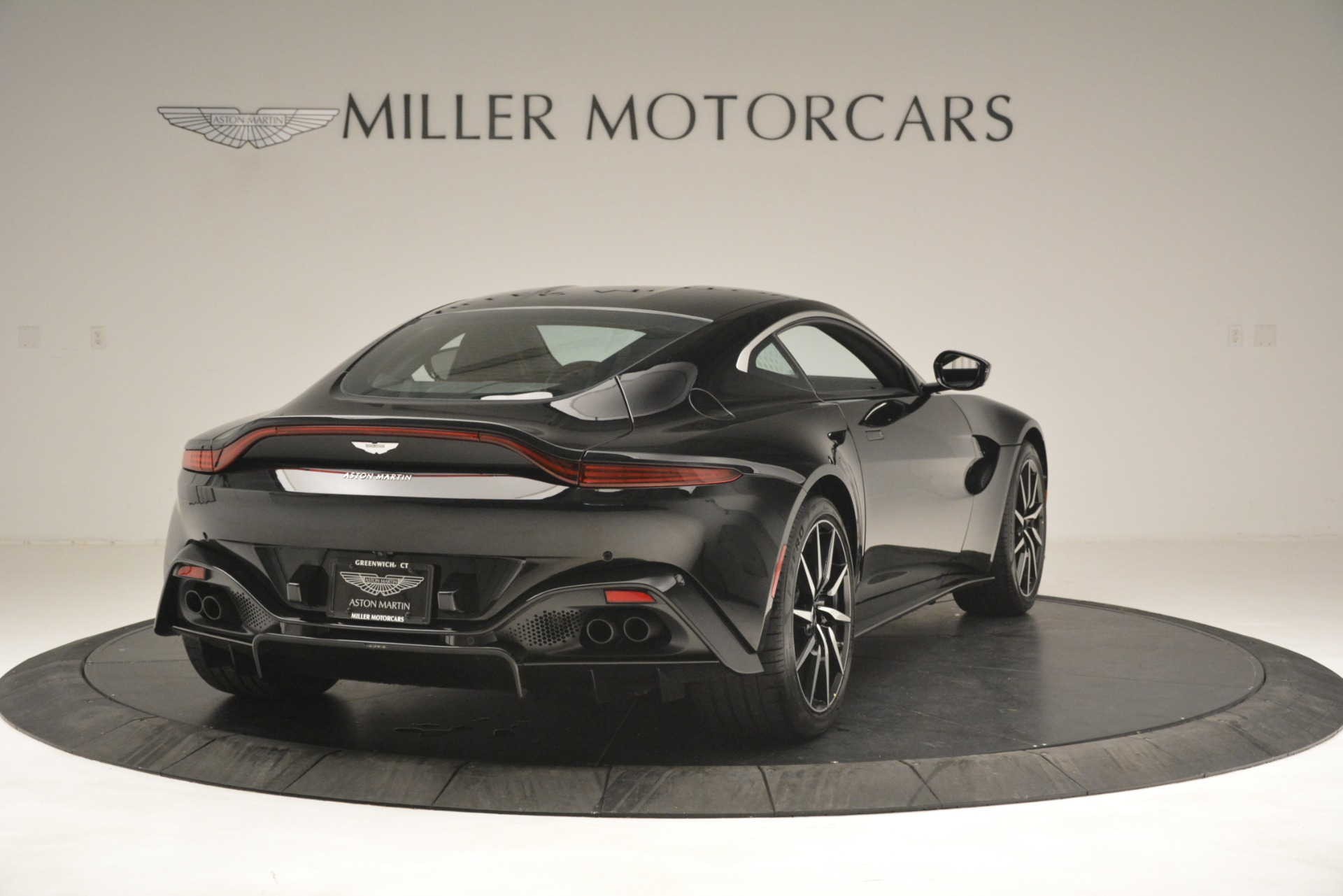 New 2019 Aston Martin Vantage V8 For Sale In Greenwich, CT 3124_p7