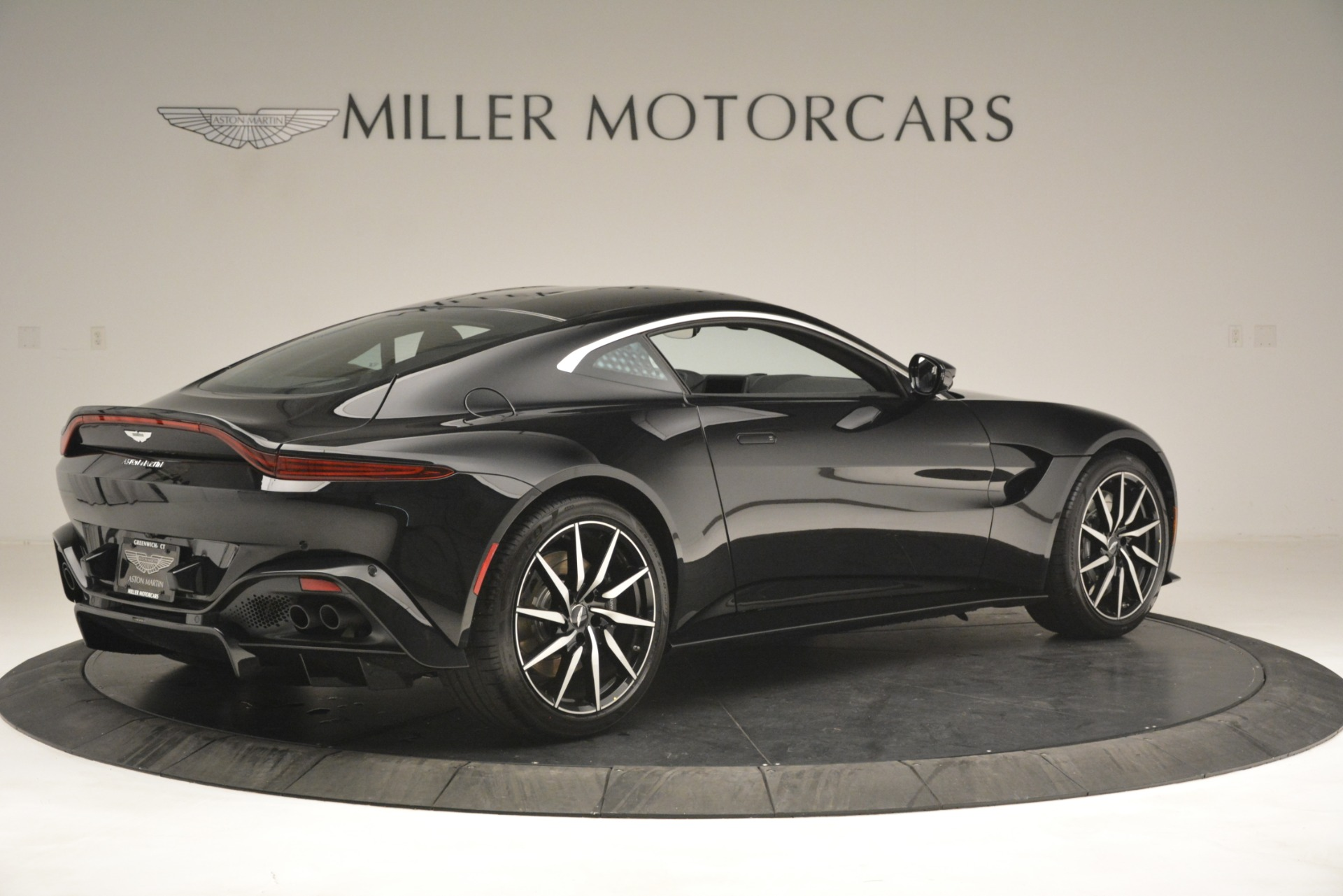 New 2019 Aston Martin Vantage V8 For Sale In Greenwich, CT 3124_p8