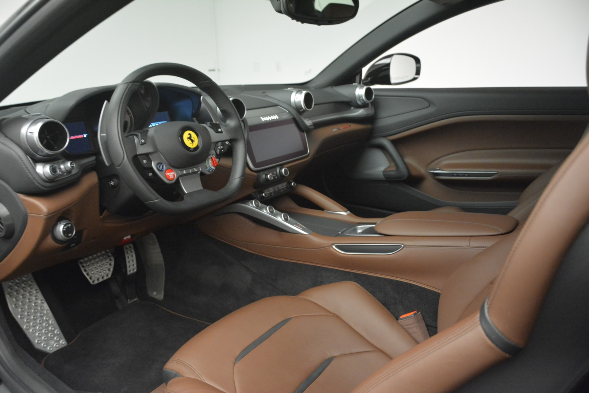Used 2018 Ferrari GTC4Lusso T  For Sale In Greenwich, CT 3125_p13