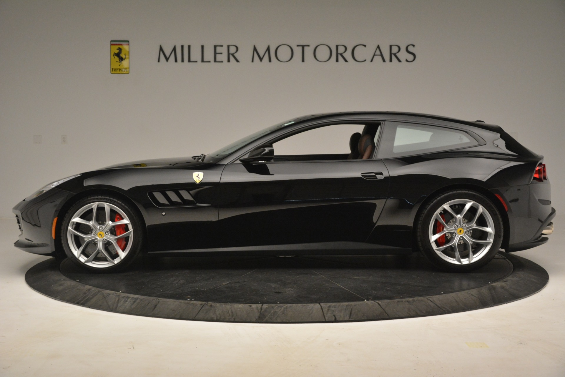 Used 2018 Ferrari GTC4Lusso T  For Sale In Greenwich, CT 3125_p3