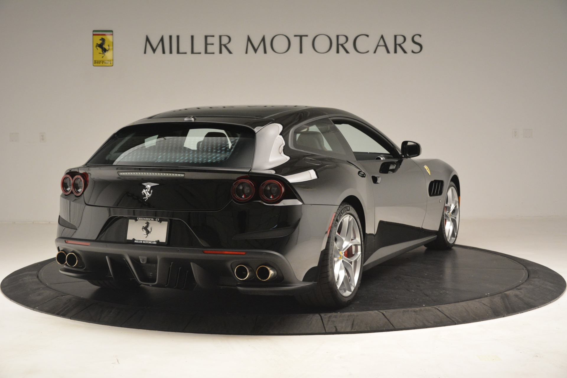 Used 2018 Ferrari GTC4Lusso T  For Sale In Greenwich, CT 3125_p7