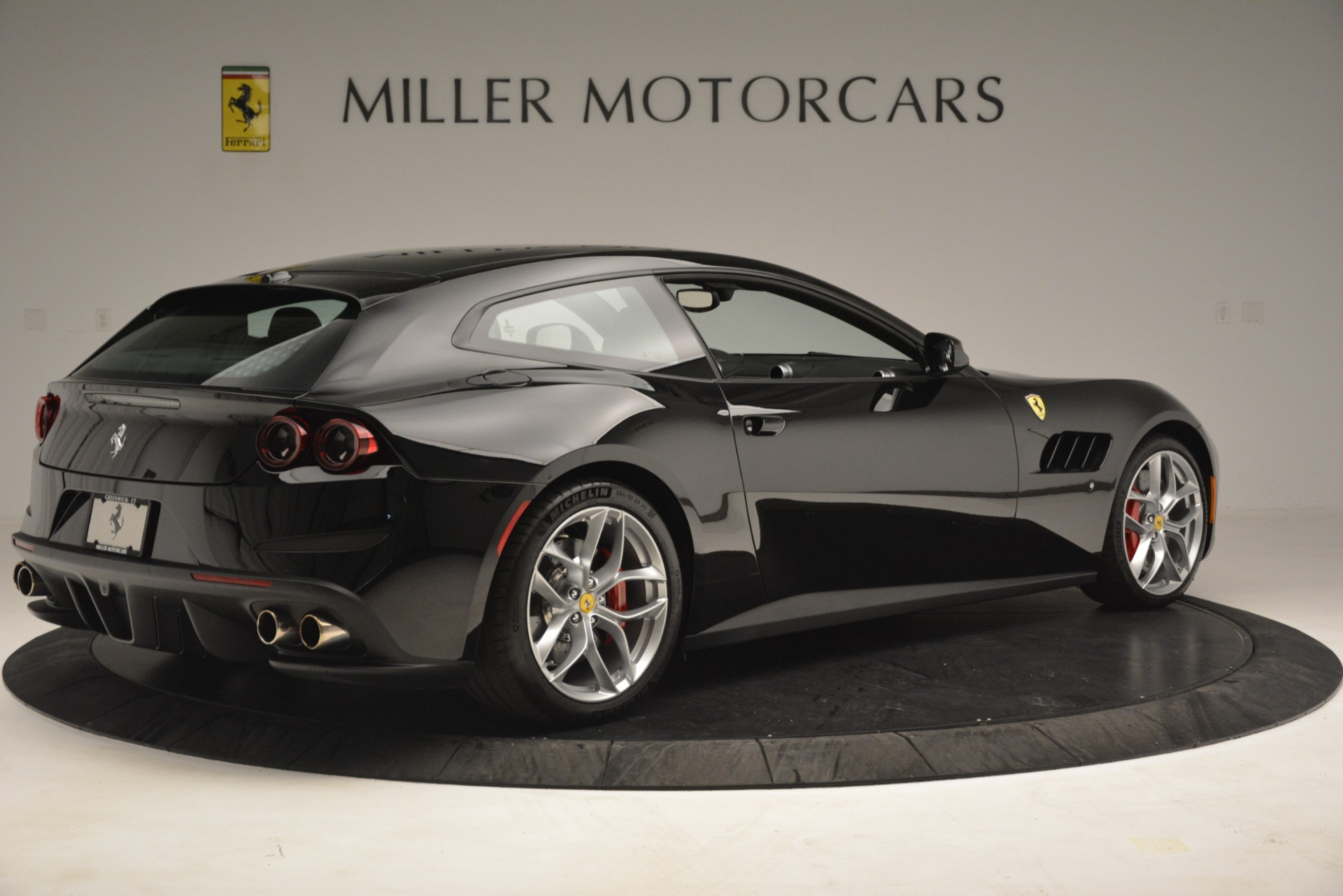 Used 2018 Ferrari GTC4Lusso T  For Sale In Greenwich, CT 3125_p8