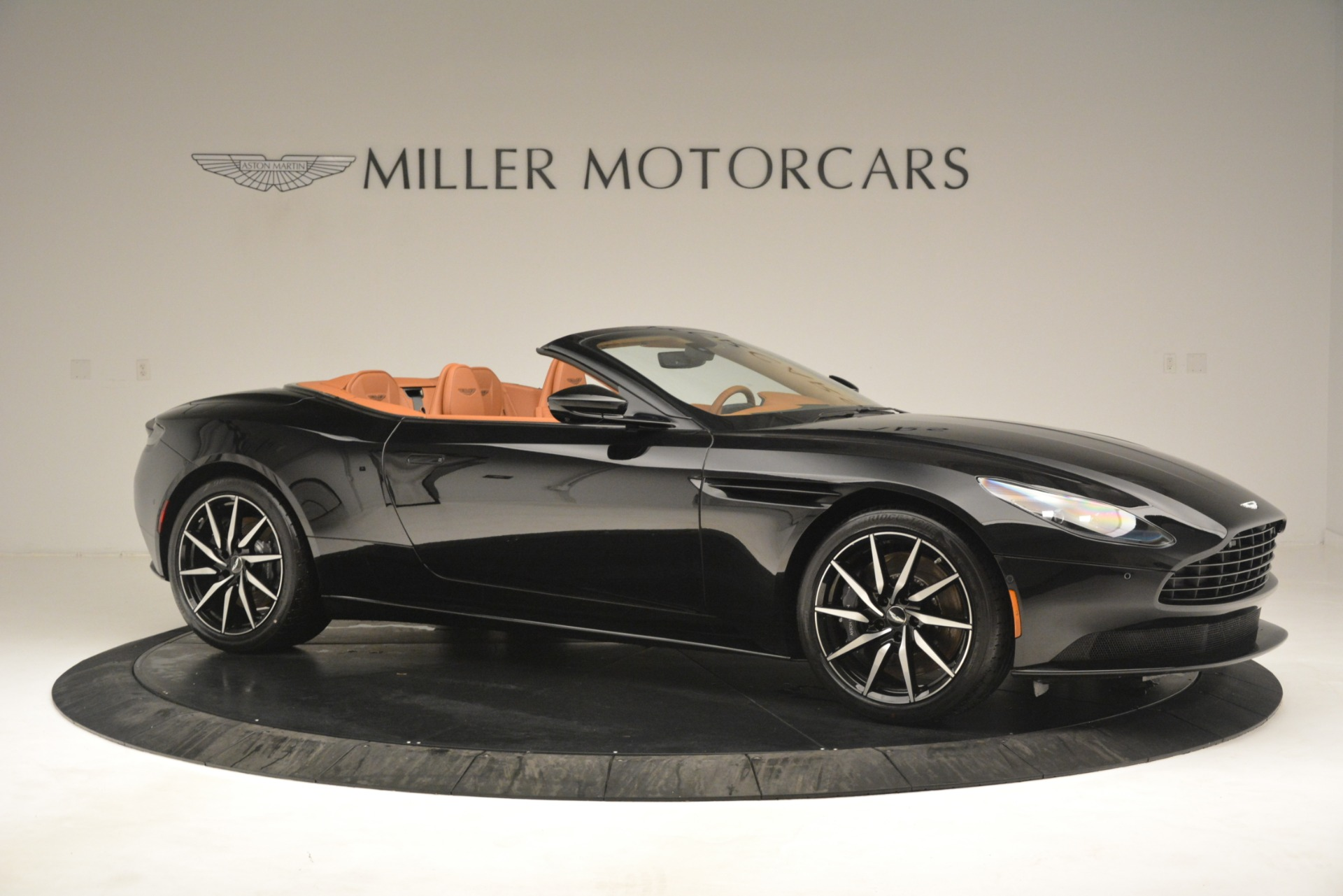 New 2019 Aston Martin DB11 V8 Convertible For Sale In Greenwich, CT 3135_p10