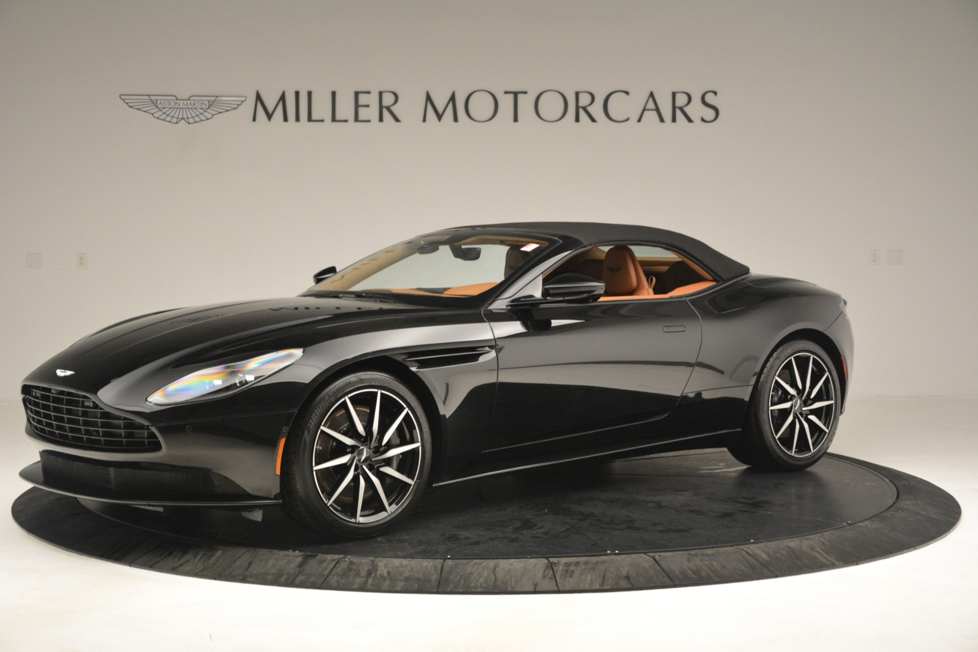 New 2019 Aston Martin DB11 V8 Convertible For Sale In Greenwich, CT 3135_p13