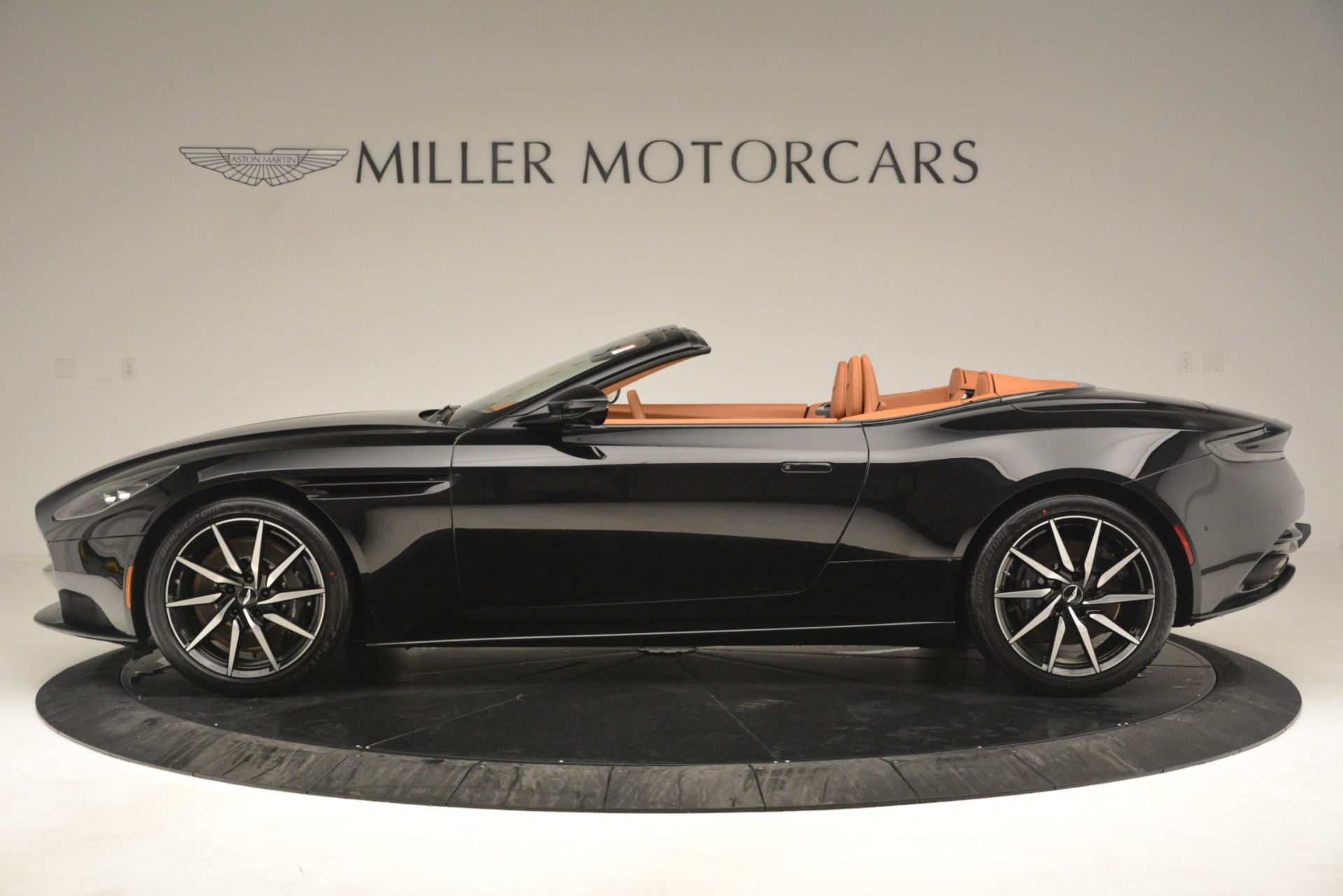 New 2019 Aston Martin DB11 V8 Convertible For Sale In Greenwich, CT 3135_p3
