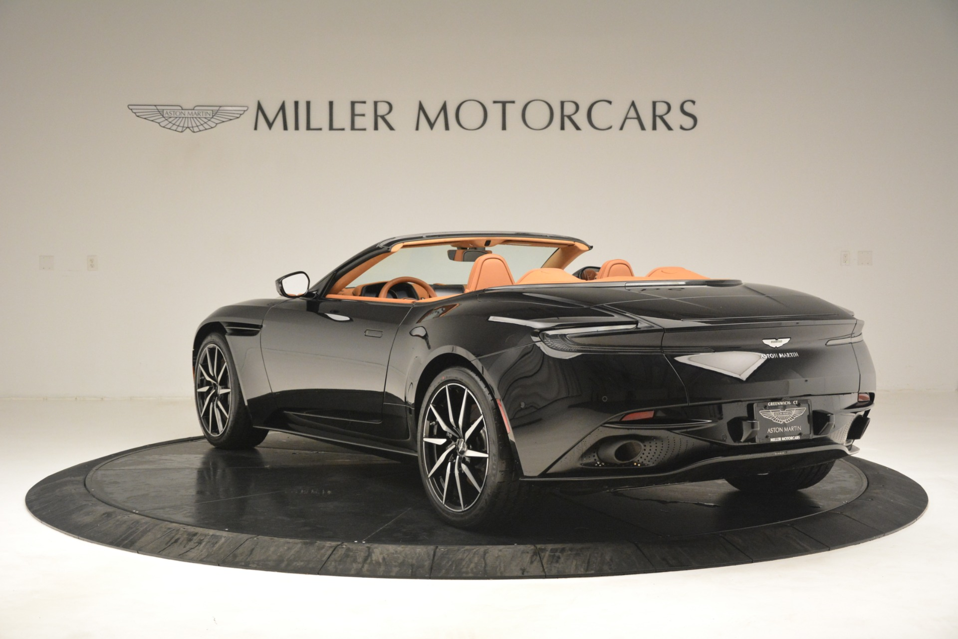 New 2019 Aston Martin DB11 V8 Convertible For Sale In Greenwich, CT 3135_p5