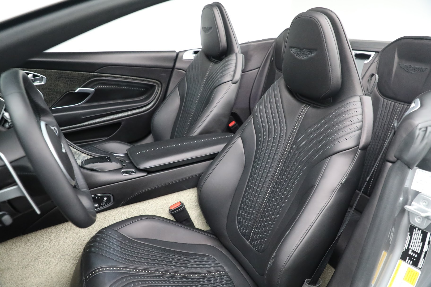 New 2019 Aston Martin DB11 V8 Convertible For Sale In Greenwich, CT 3136_p20