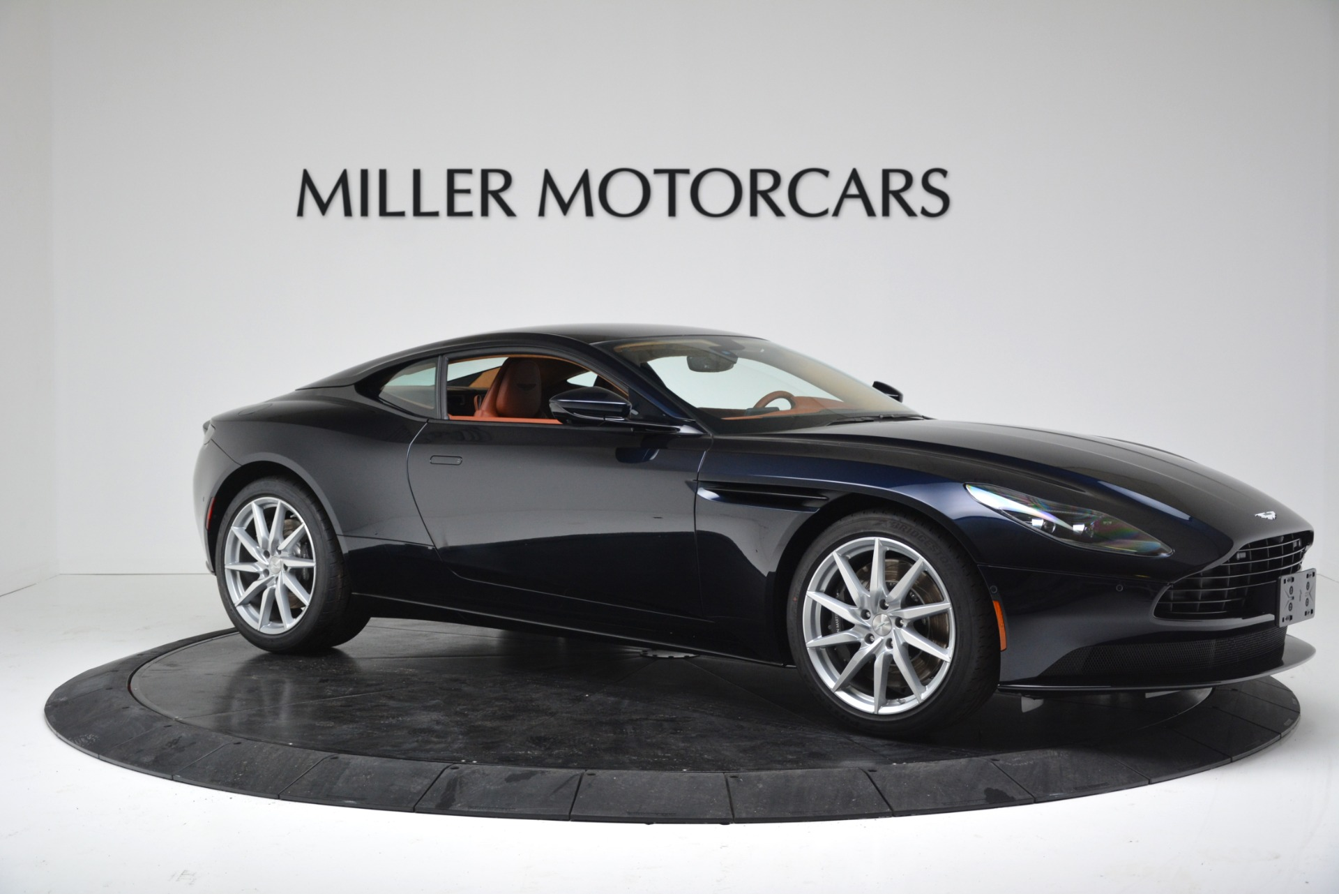 New 2019 Aston Martin DB11 V8 Coupe For Sale In Greenwich, CT 3145_p10