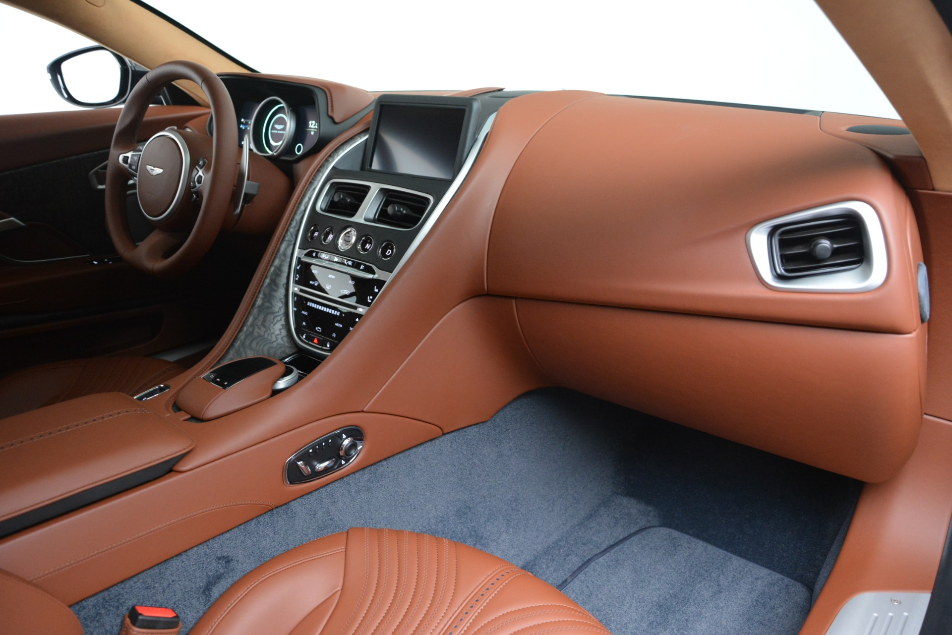 New 2019 Aston Martin DB11 V8 Coupe For Sale In Greenwich, CT 3145_p19