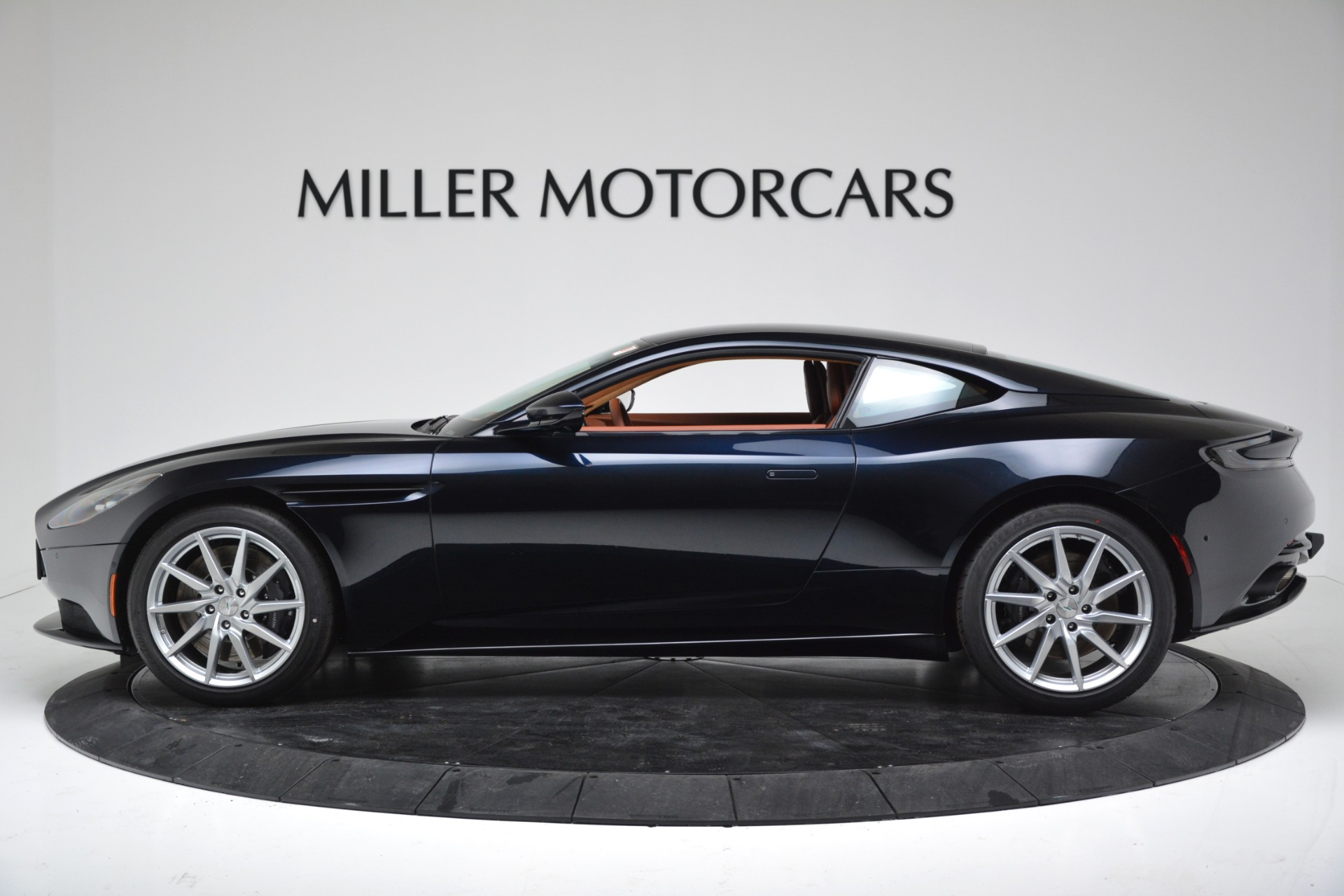 New 2019 Aston Martin DB11 V8 Coupe For Sale In Greenwich, CT 3145_p3