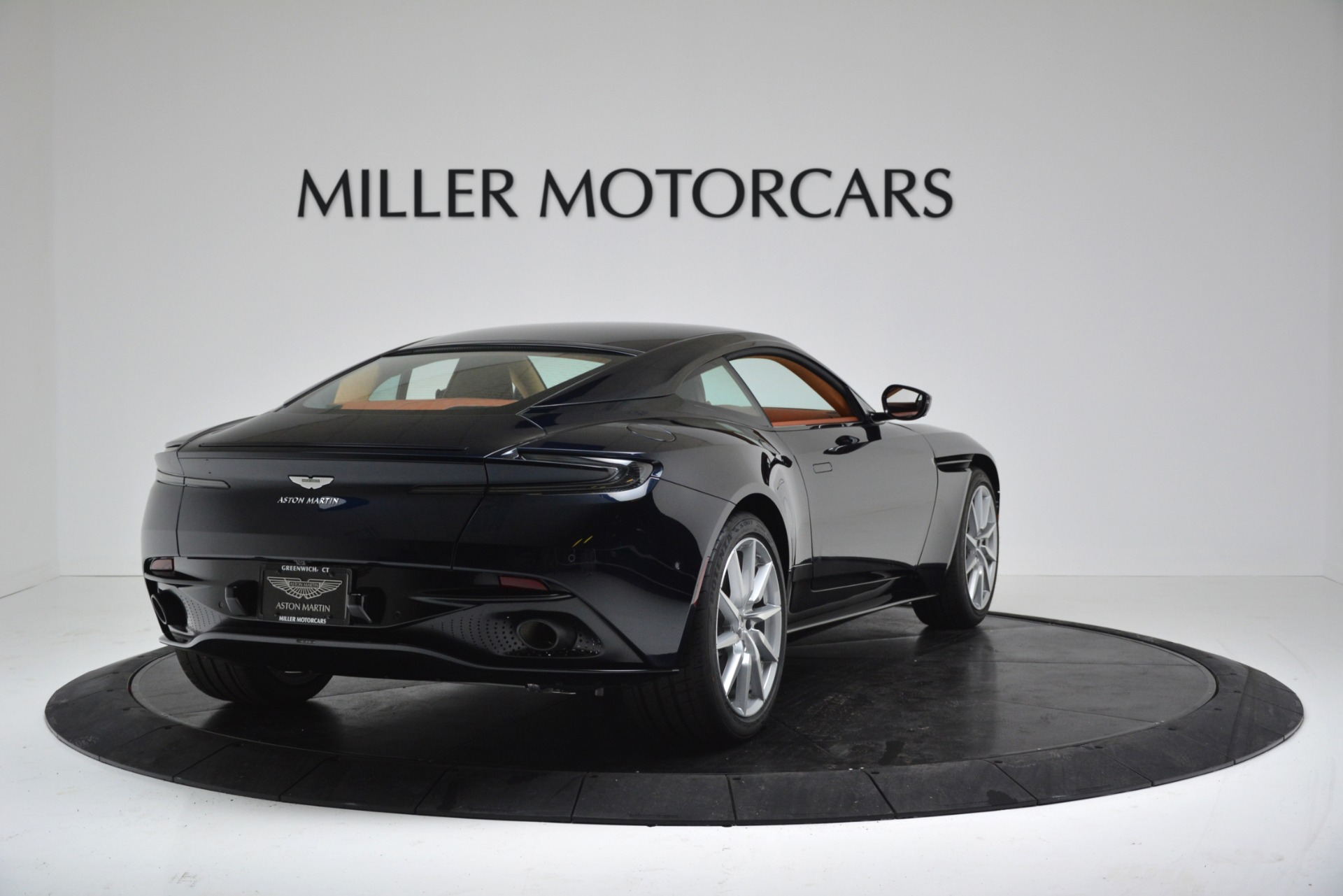 New 2019 Aston Martin DB11 V8 Coupe For Sale In Greenwich, CT 3145_p7