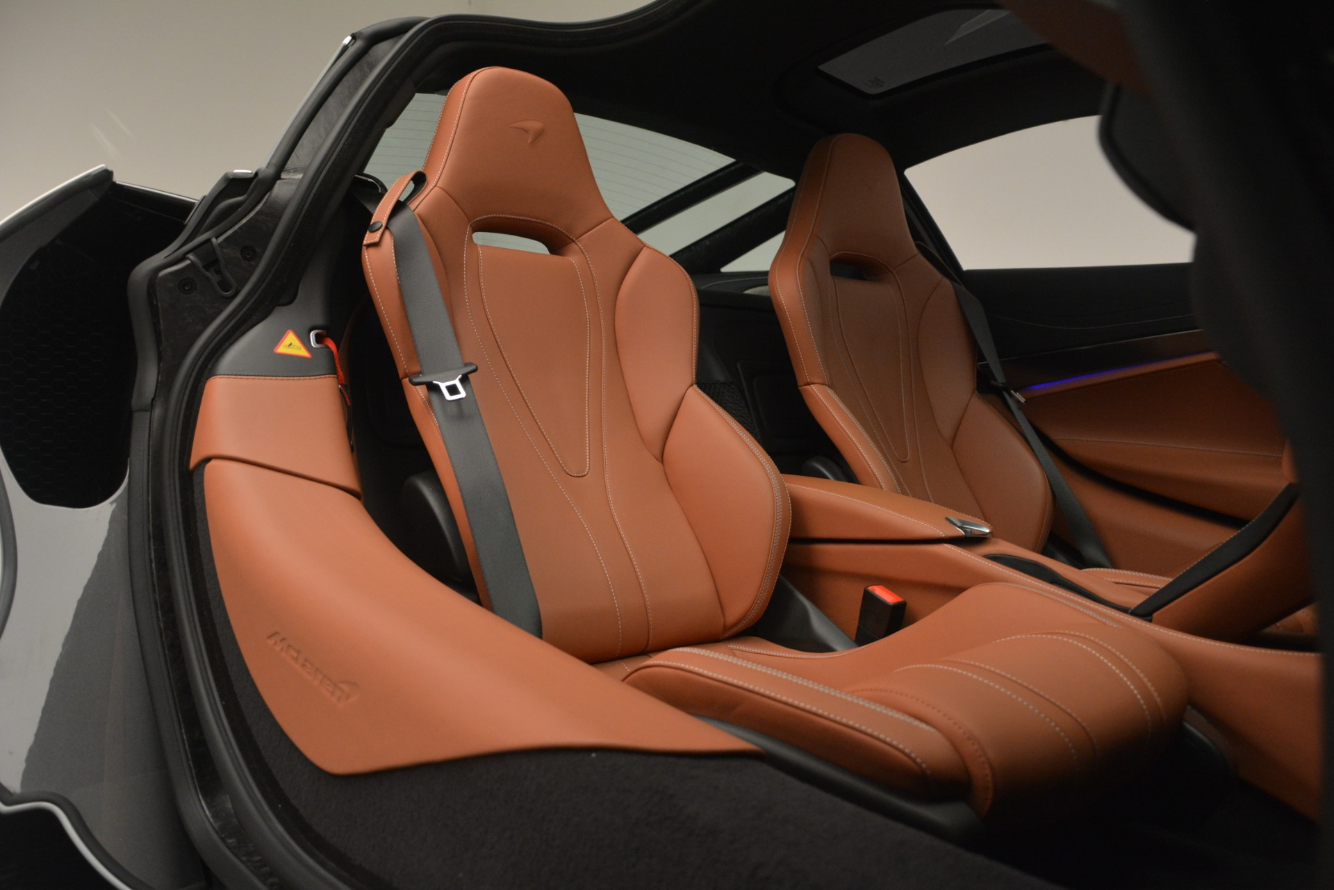 Used 2018 McLaren 720S Coupe For Sale In Greenwich, CT 3157_p20