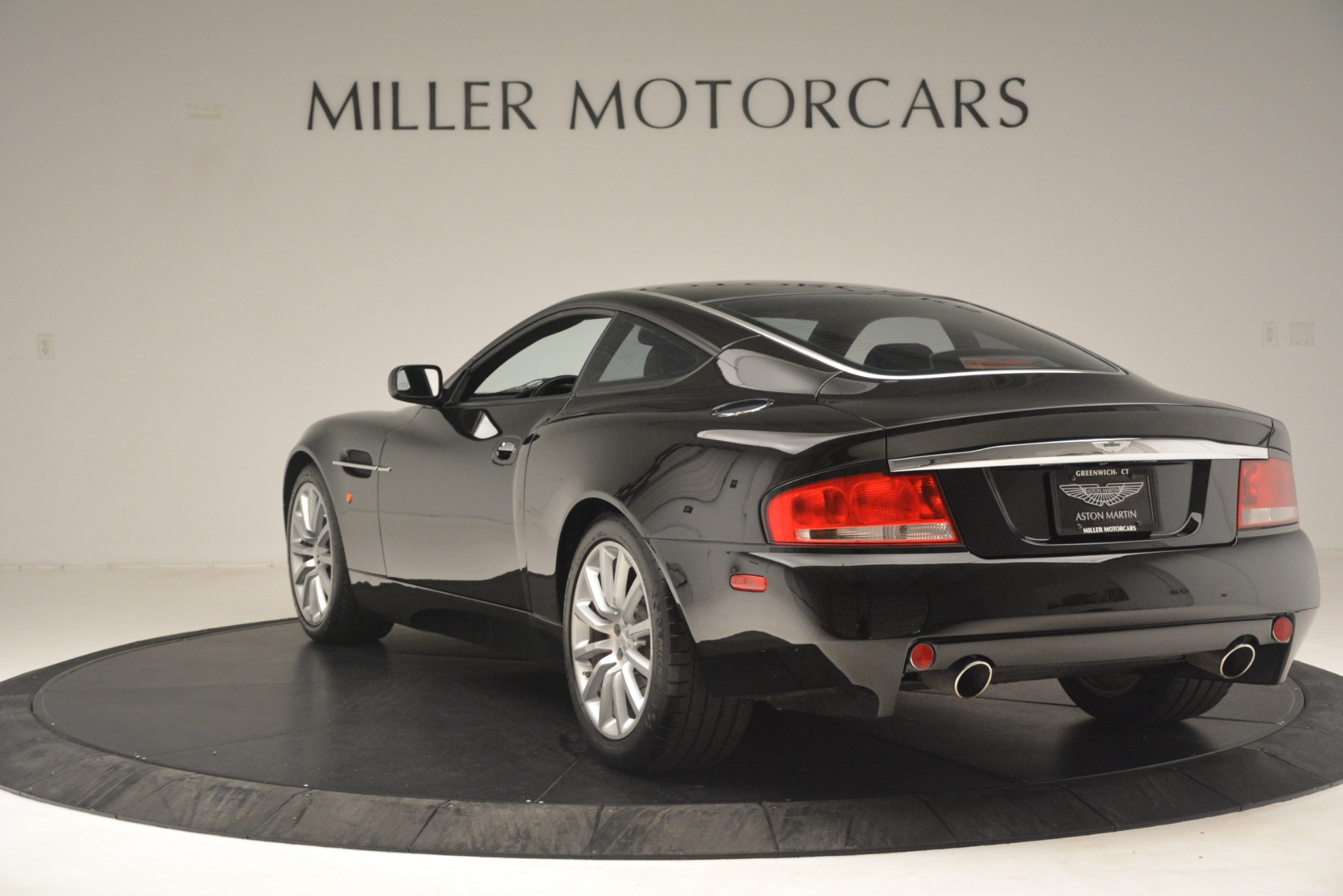 Used 2004 Aston Martin V12 Vanquish  For Sale In Greenwich, CT 3160_p3