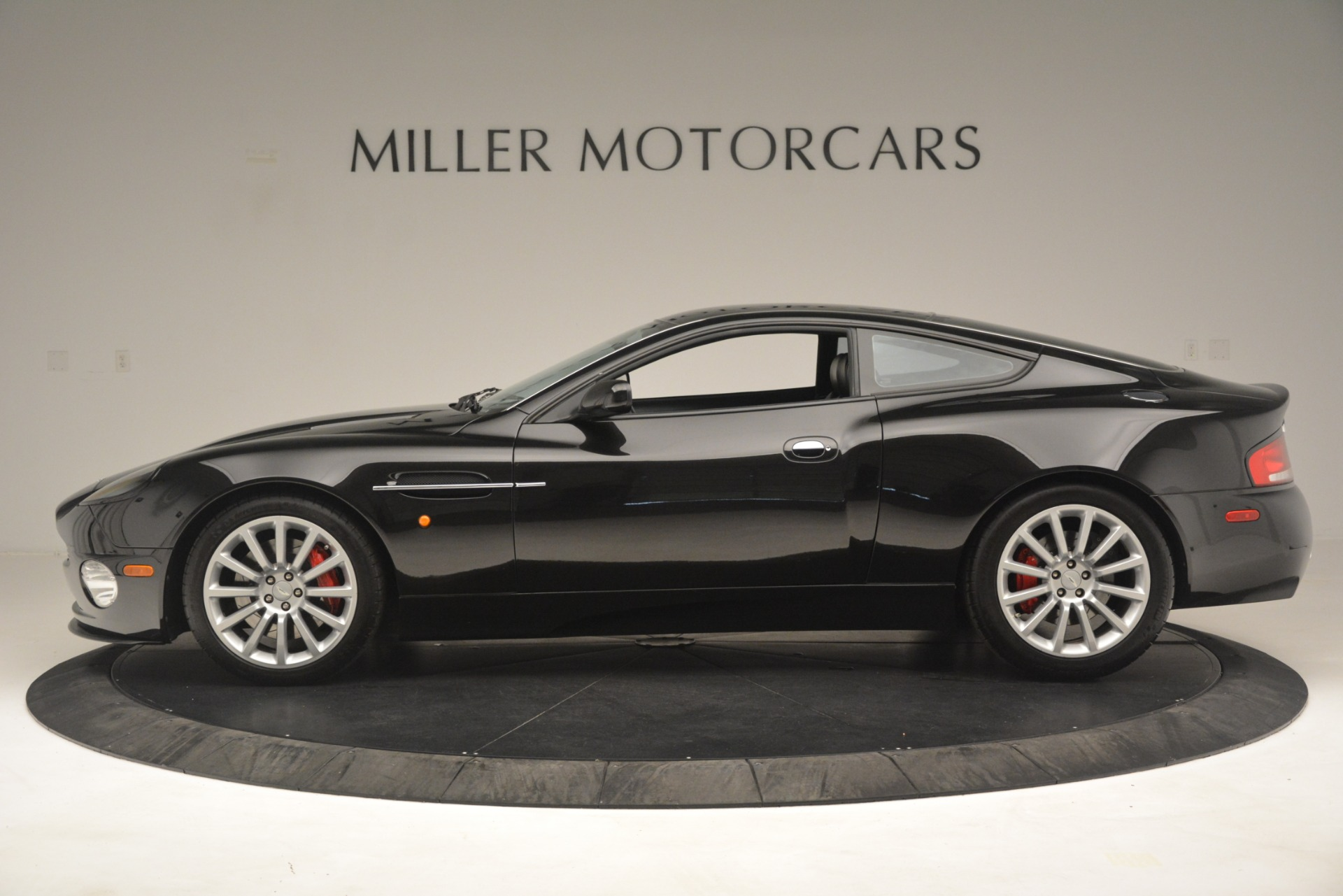 Used 2004 Aston Martin V12 Vanquish  For Sale In Greenwich, CT 3160_p4