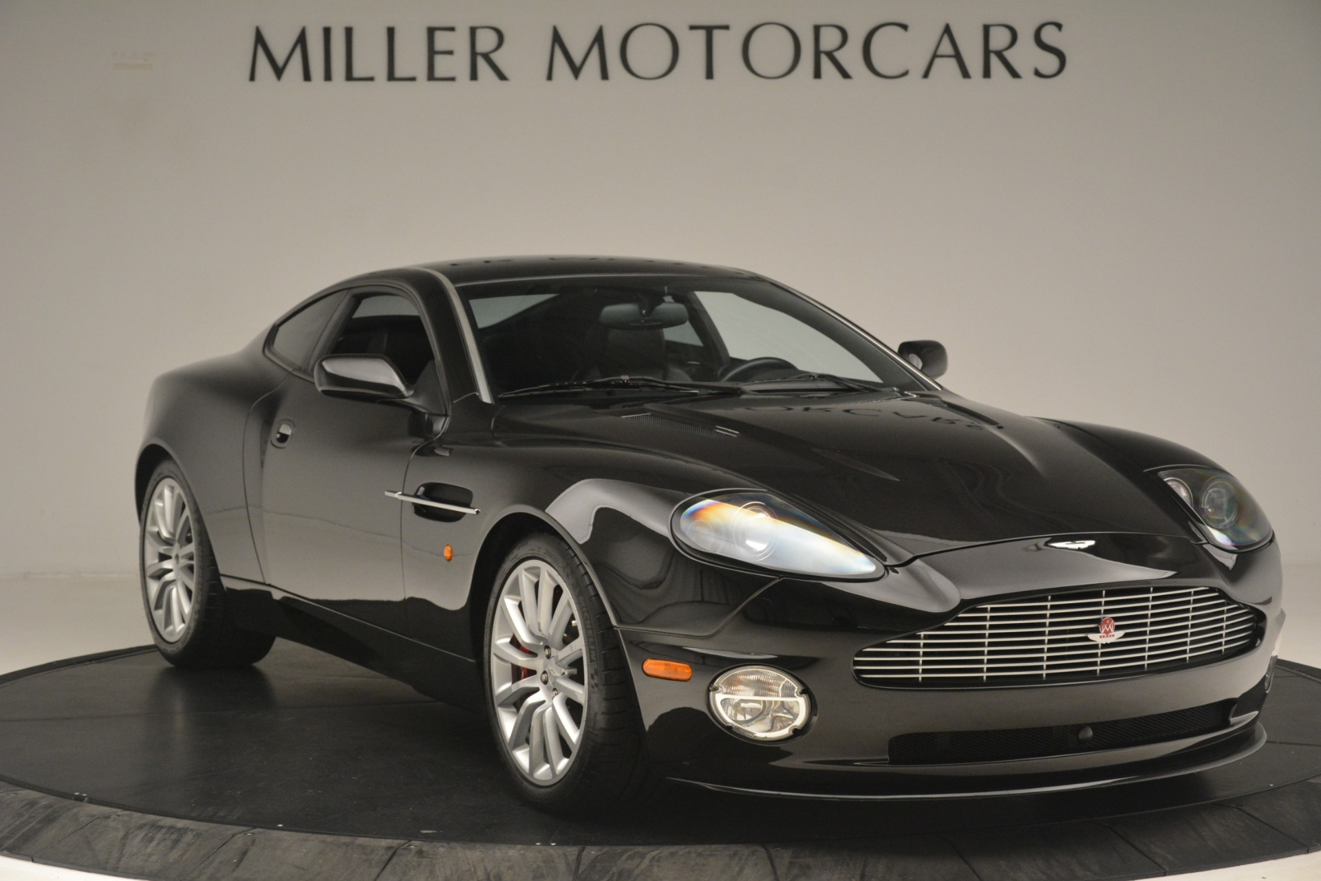 Used 2004 Aston Martin V12 Vanquish  For Sale In Greenwich, CT 3160_p9