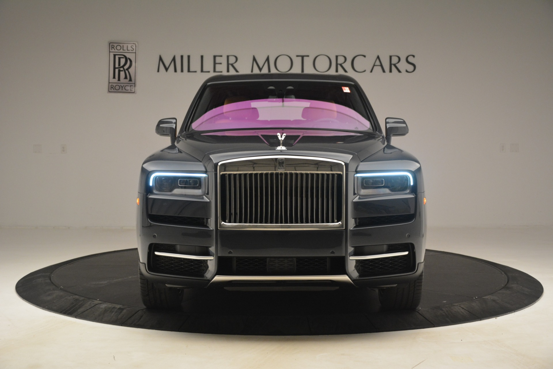 Used 2019 Rolls-Royce Cullinan  For Sale In Greenwich, CT 3162_p2