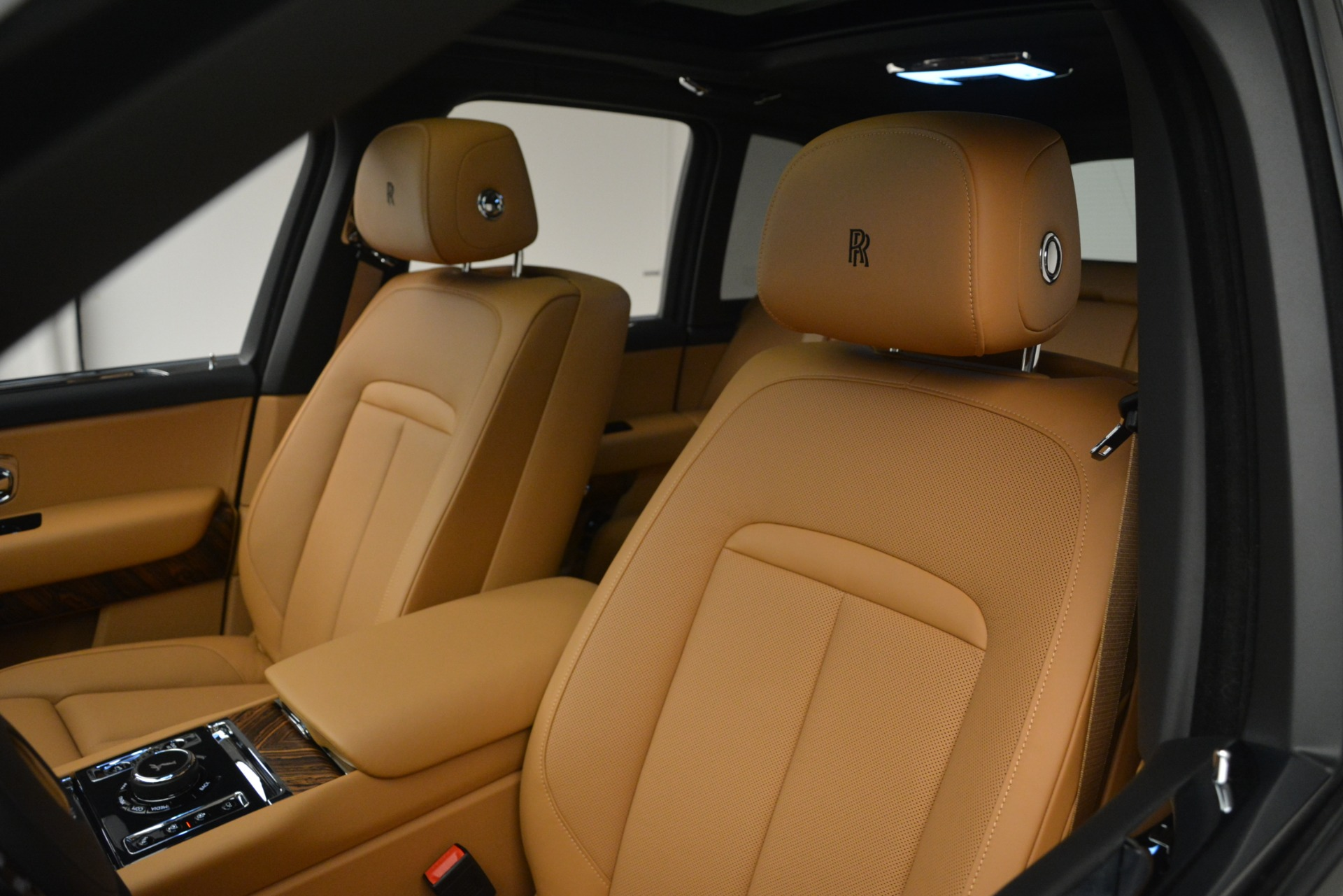 Used 2019 Rolls-Royce Cullinan  For Sale In Greenwich, CT 3162_p30
