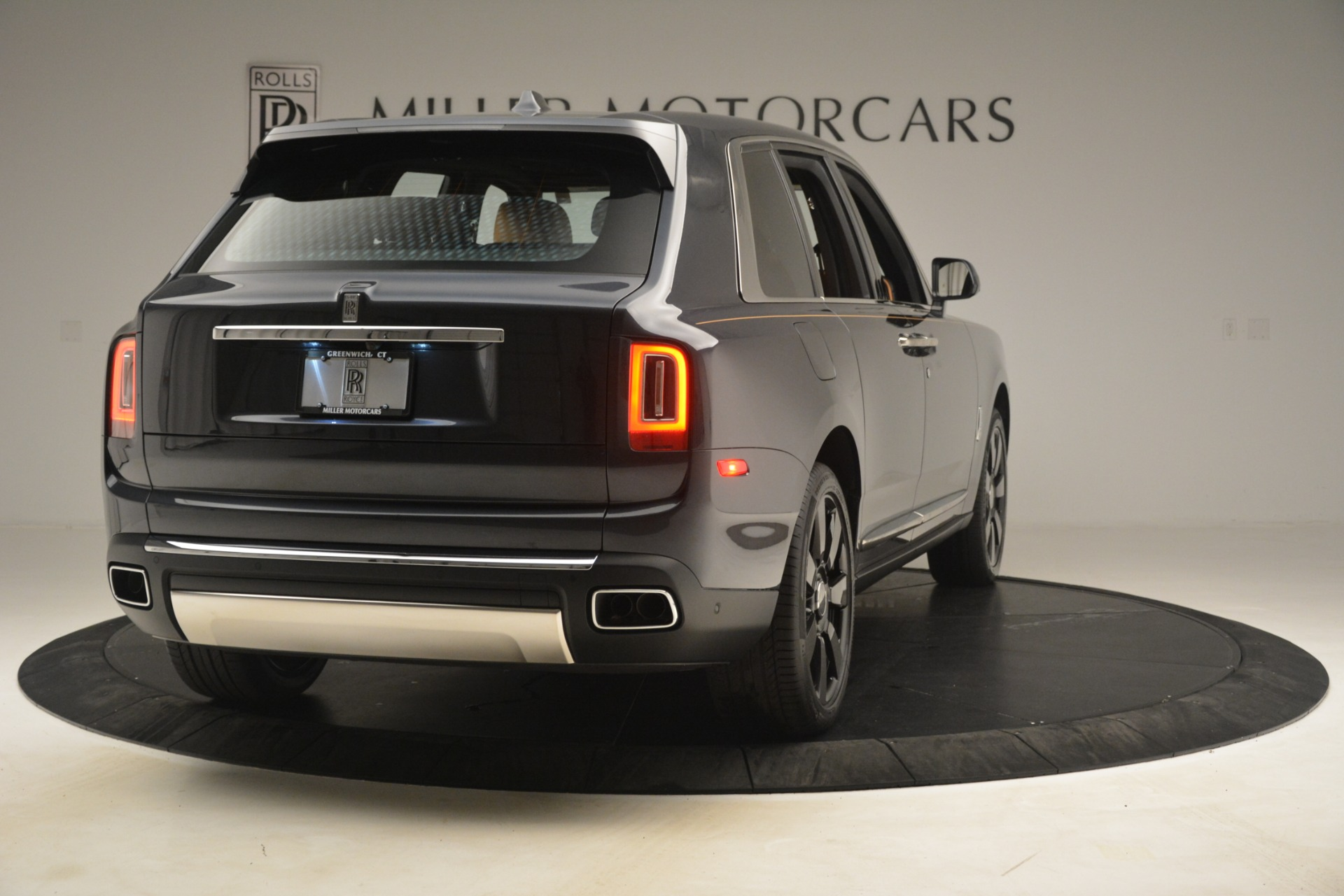 Used 2019 Rolls-Royce Cullinan  For Sale In Greenwich, CT 3162_p9