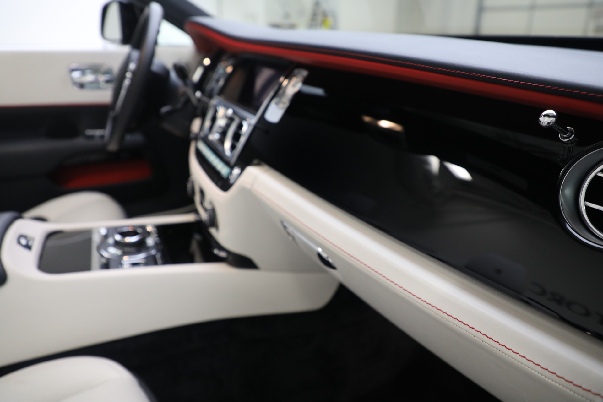New 2019 Rolls-Royce Dawn  For Sale In Greenwich, CT 3164_p25