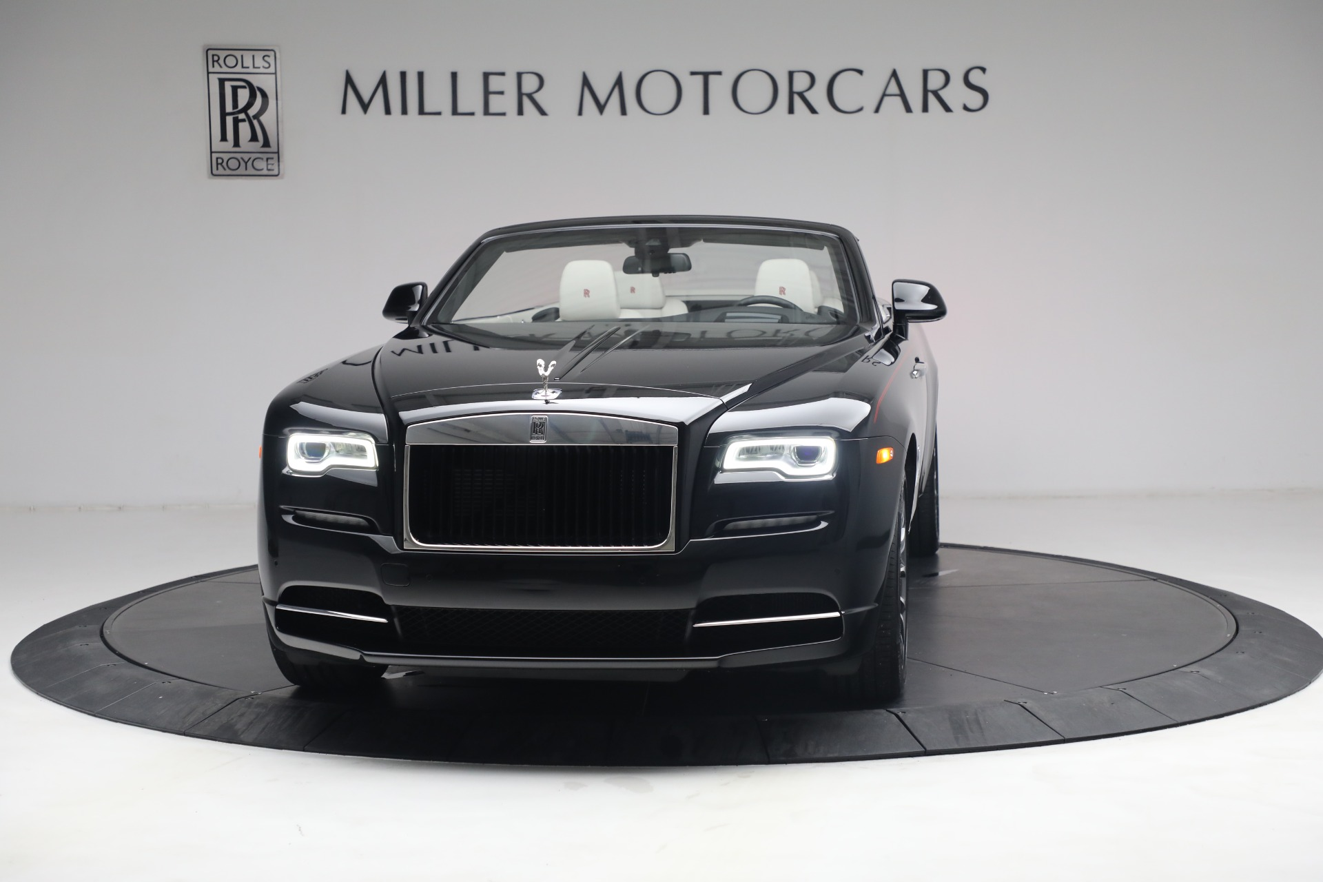 New 2019 Rolls-Royce Dawn  For Sale In Greenwich, CT 3164_p2