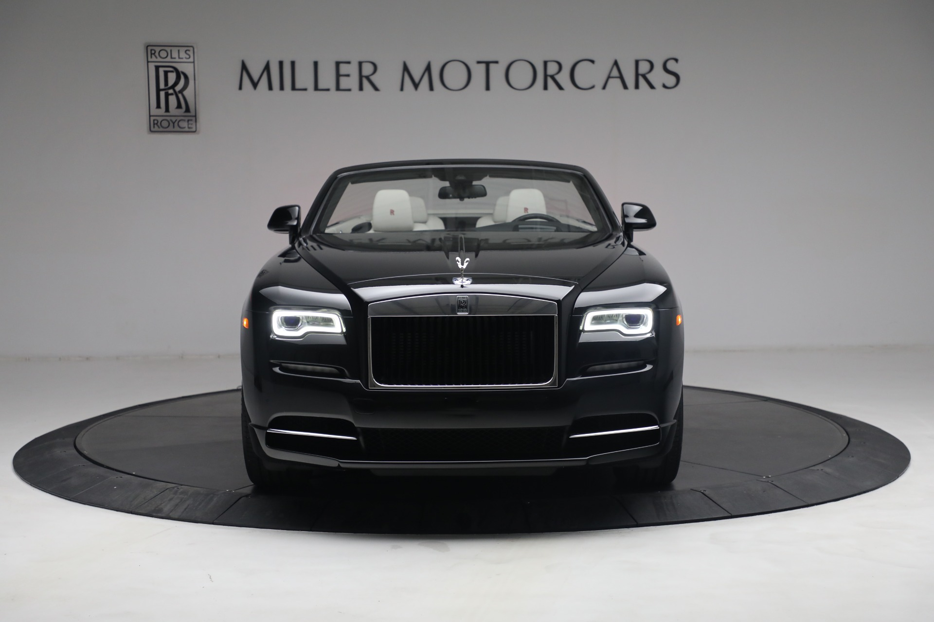 New 2019 Rolls-Royce Dawn  For Sale In Greenwich, CT 3164_p3