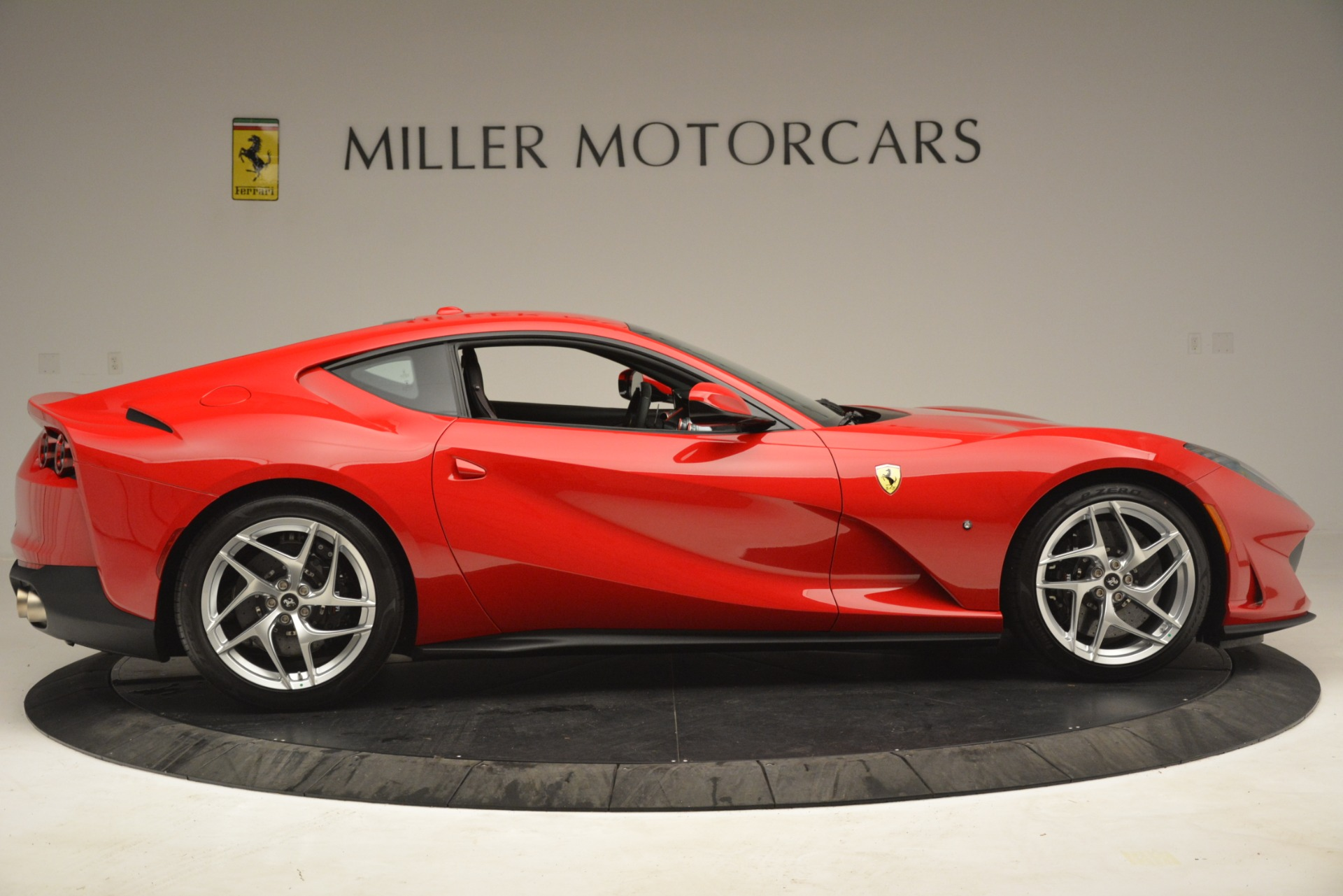 Used 2018 Ferrari 812 Superfast  For Sale In Greenwich, CT 3167_p9