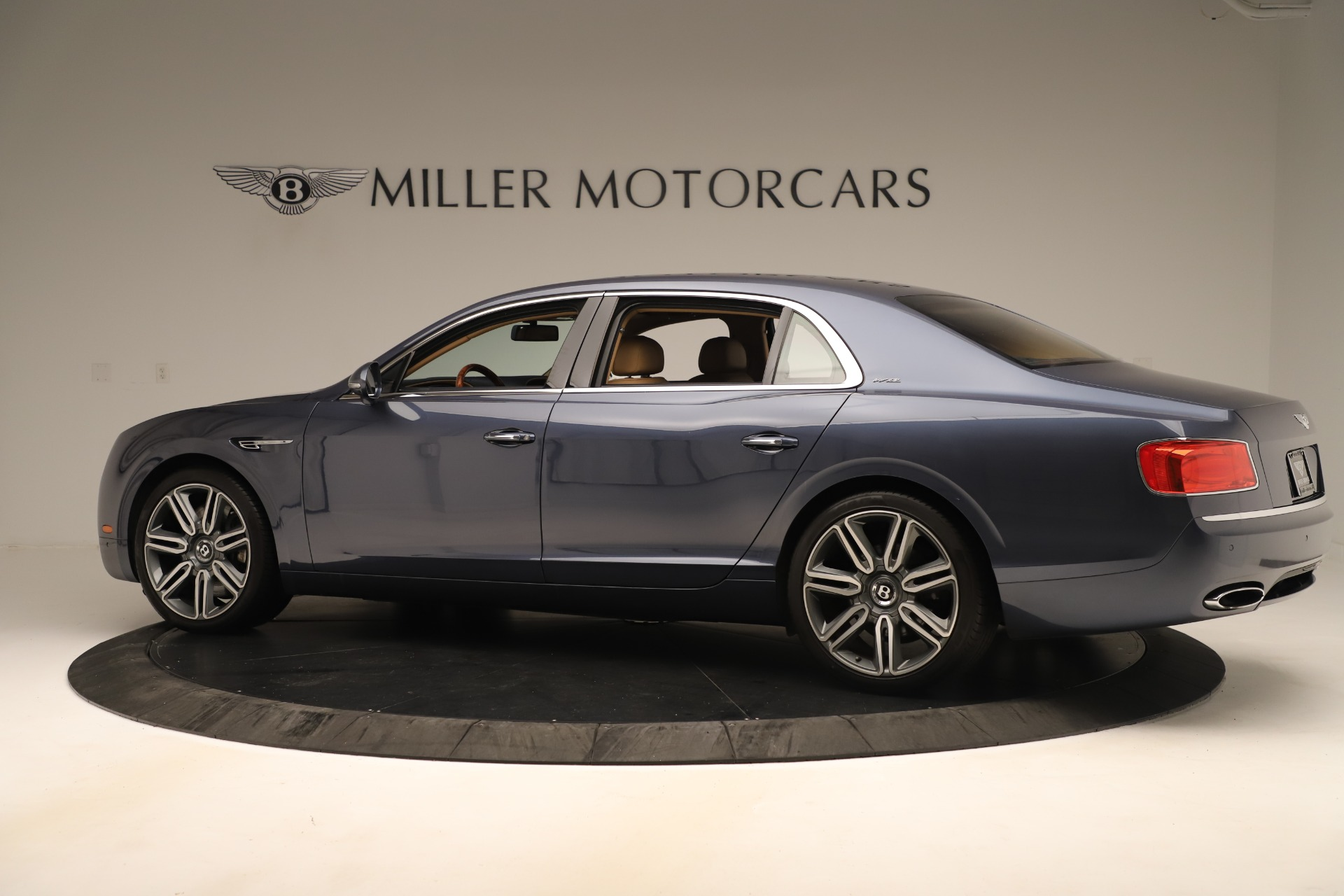 Used 2016 Bentley Flying Spur W12 For Sale In Greenwich, CT 3171_p4