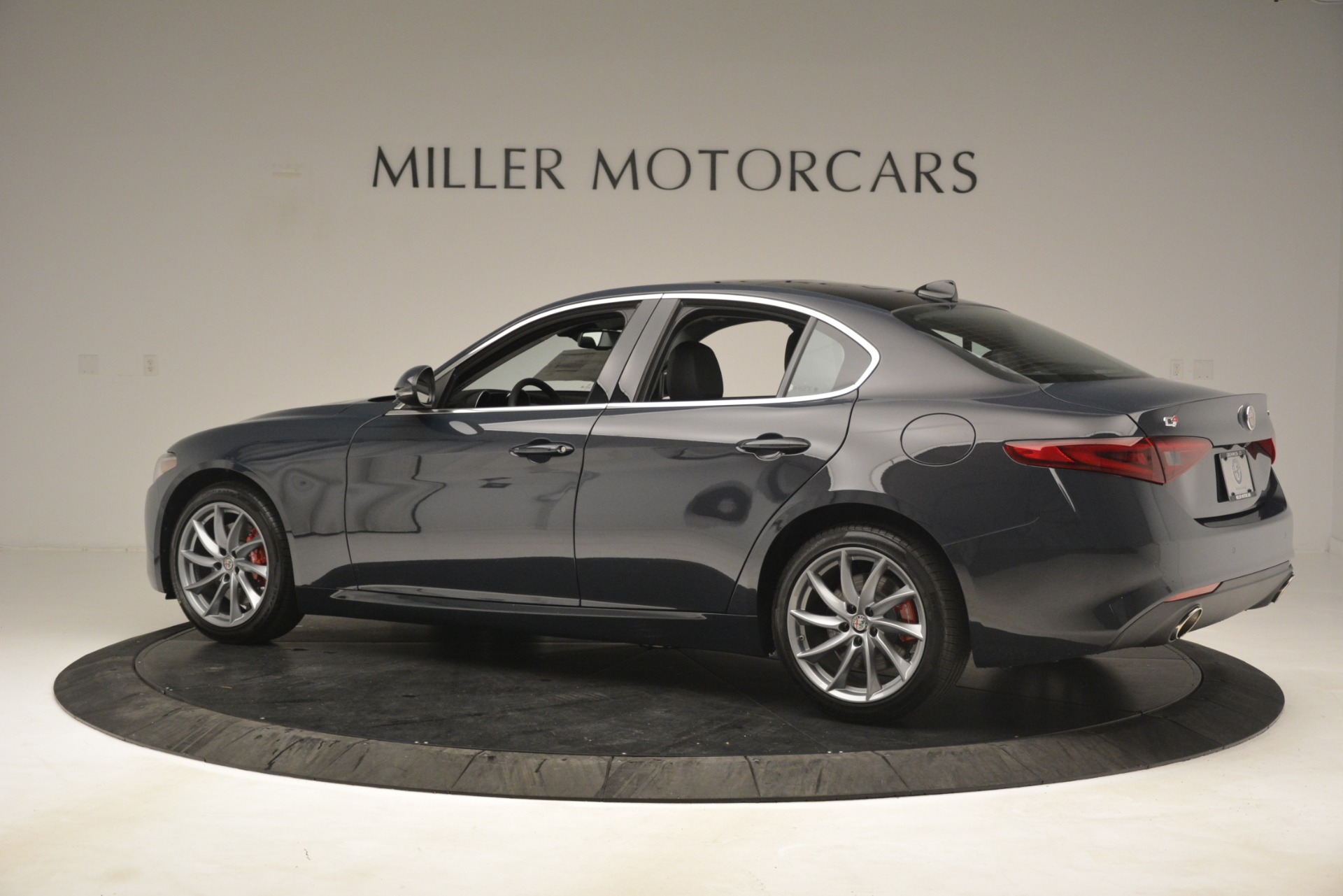 New 2019 Alfa Romeo Giulia Q4 For Sale In Greenwich, CT 3174_p4