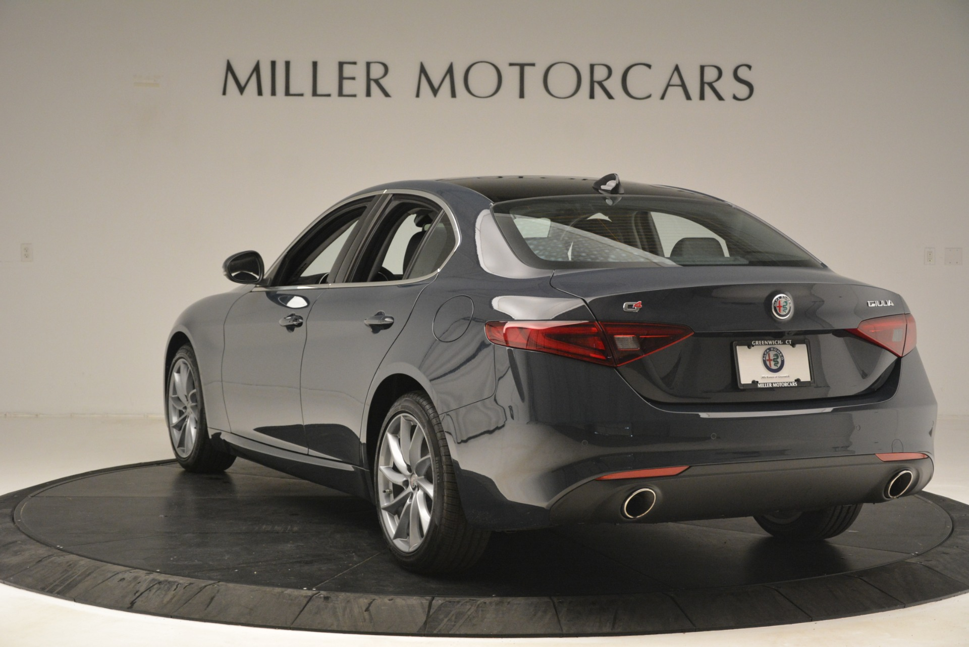 New 2019 Alfa Romeo Giulia Q4 For Sale In Greenwich, CT 3174_p5