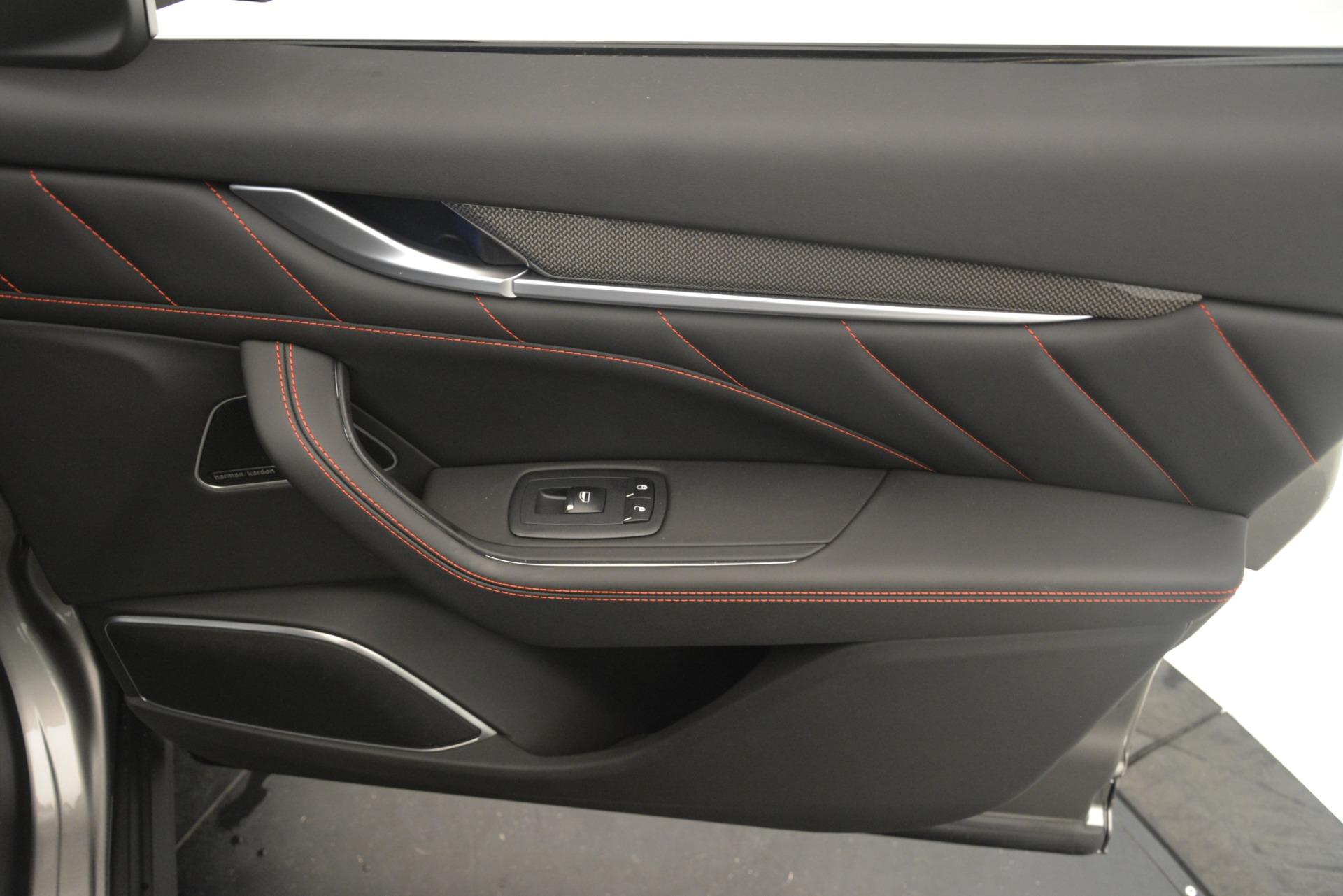 New 2019 Maserati Levante SQ4 GranSport Nerissimo For Sale In Greenwich, CT 3177_p25