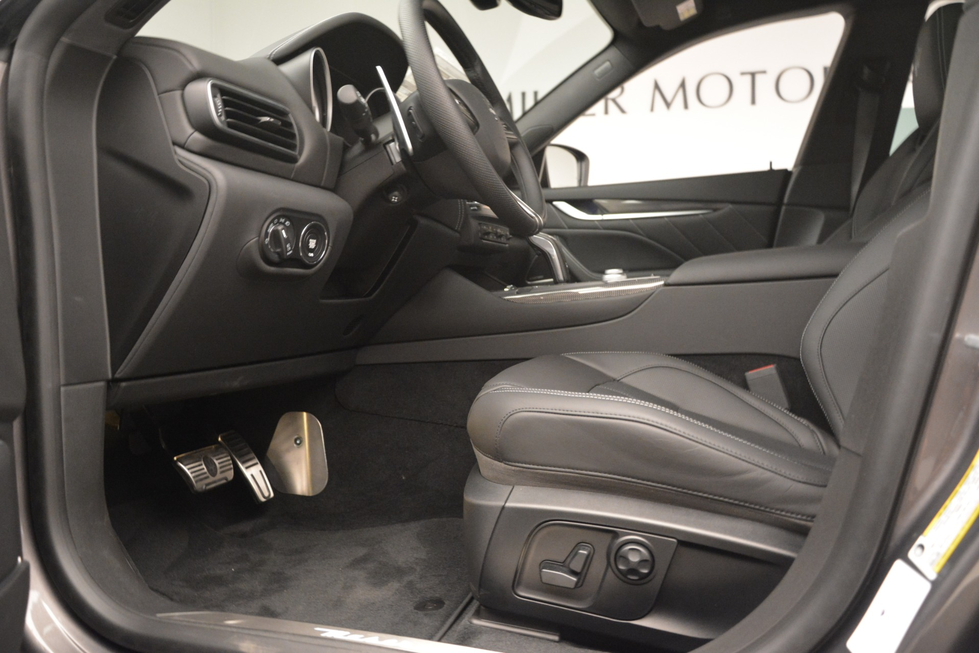 New 2019 Maserati Levante SQ4 GranSport Nerissimo For Sale In Greenwich, CT 3178_p14