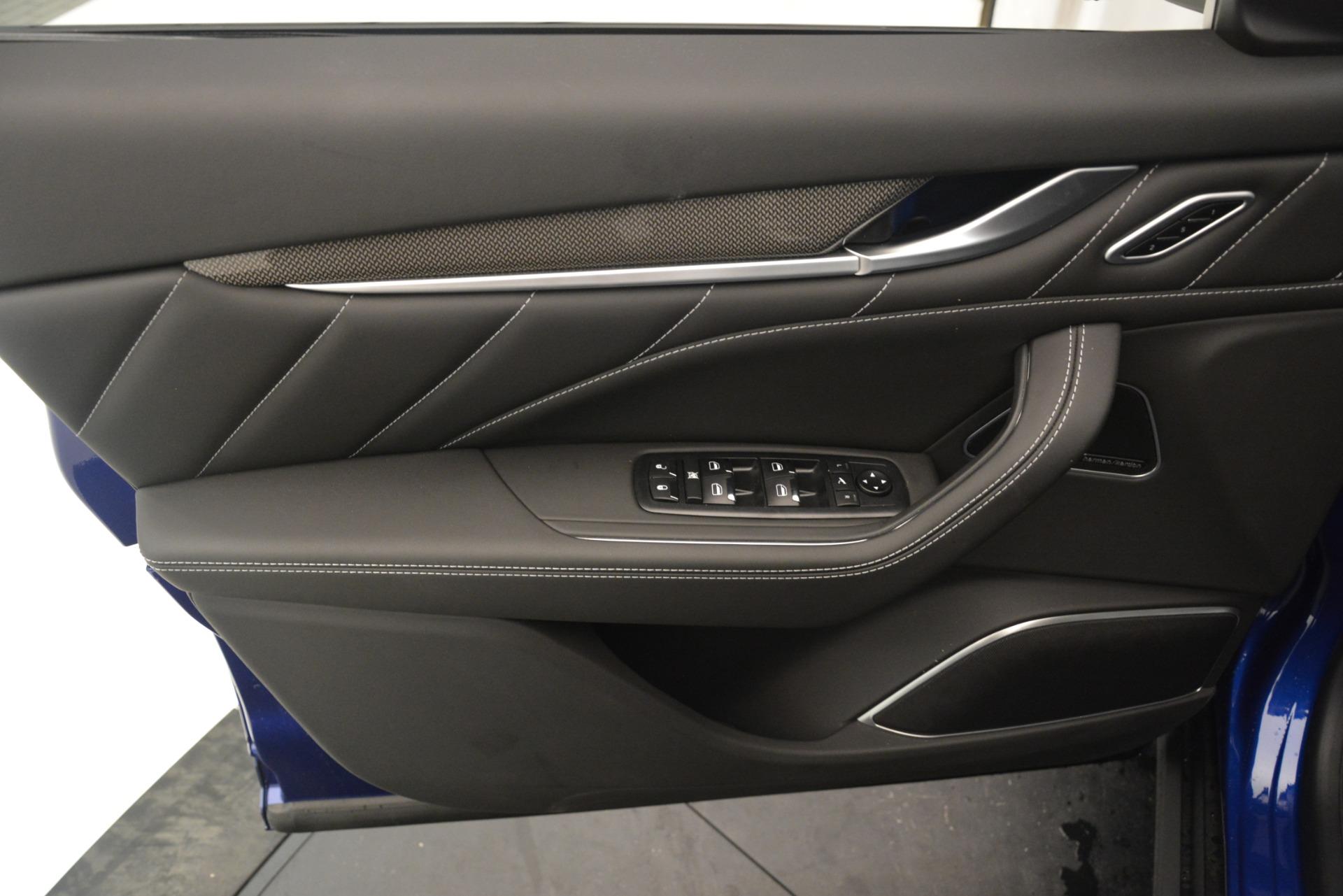 New 2019 Maserati Levante SQ4 GranSport Nerissimo For Sale In Greenwich, CT 3179_p17