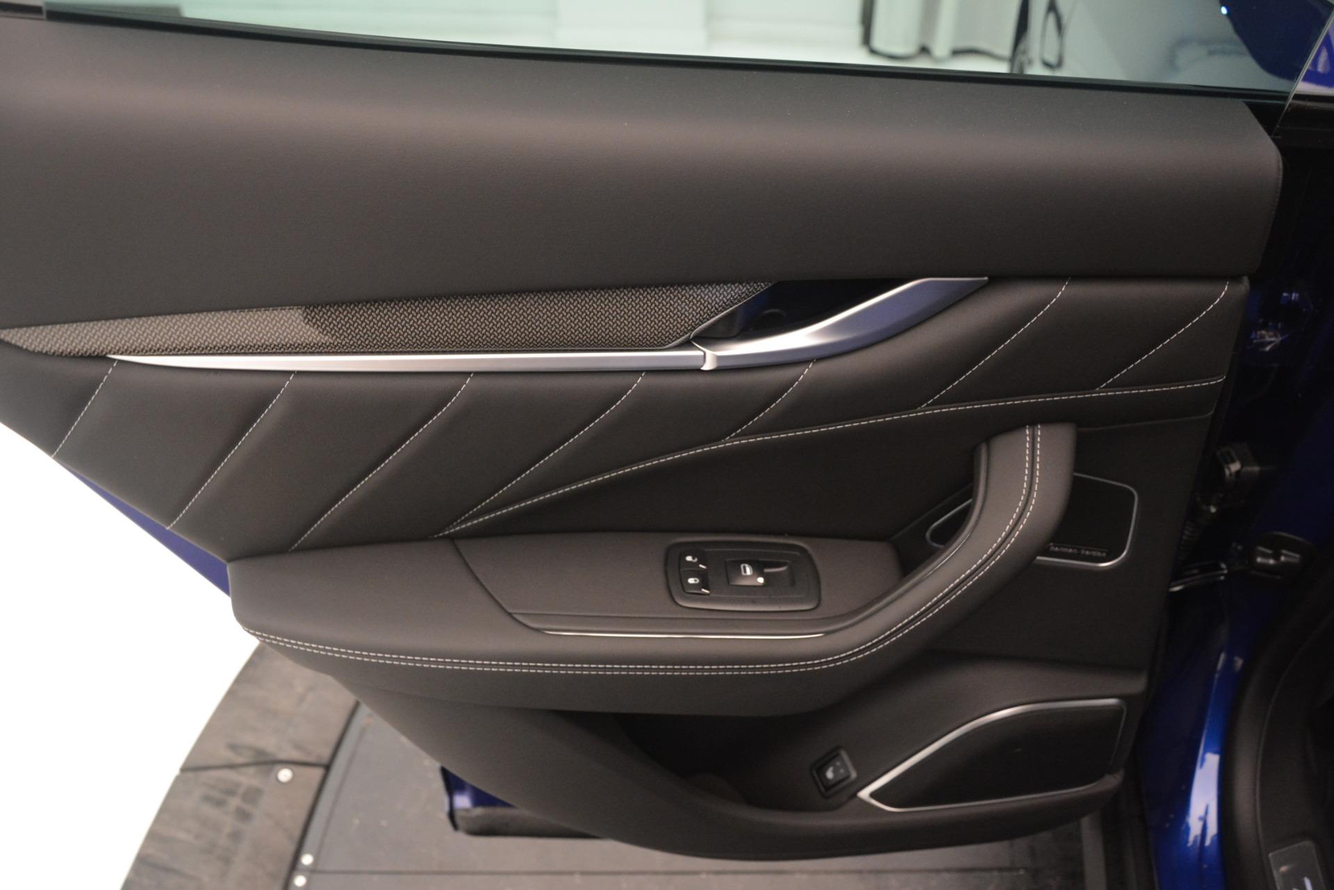 New 2019 Maserati Levante SQ4 GranSport Nerissimo For Sale In Greenwich, CT 3179_p21