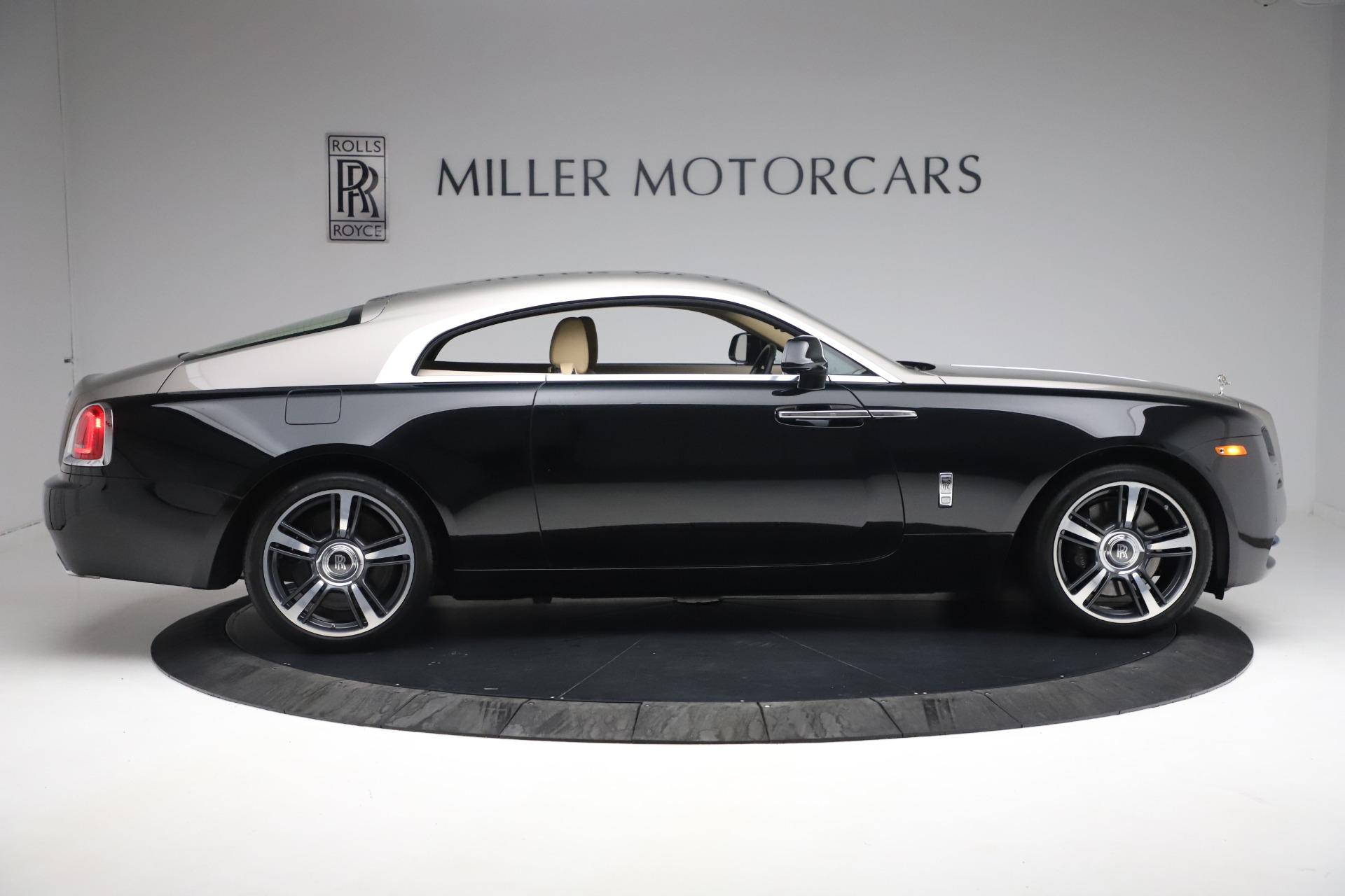 Used 2015 Rolls-Royce Wraith  For Sale In Greenwich, CT 3184_p11