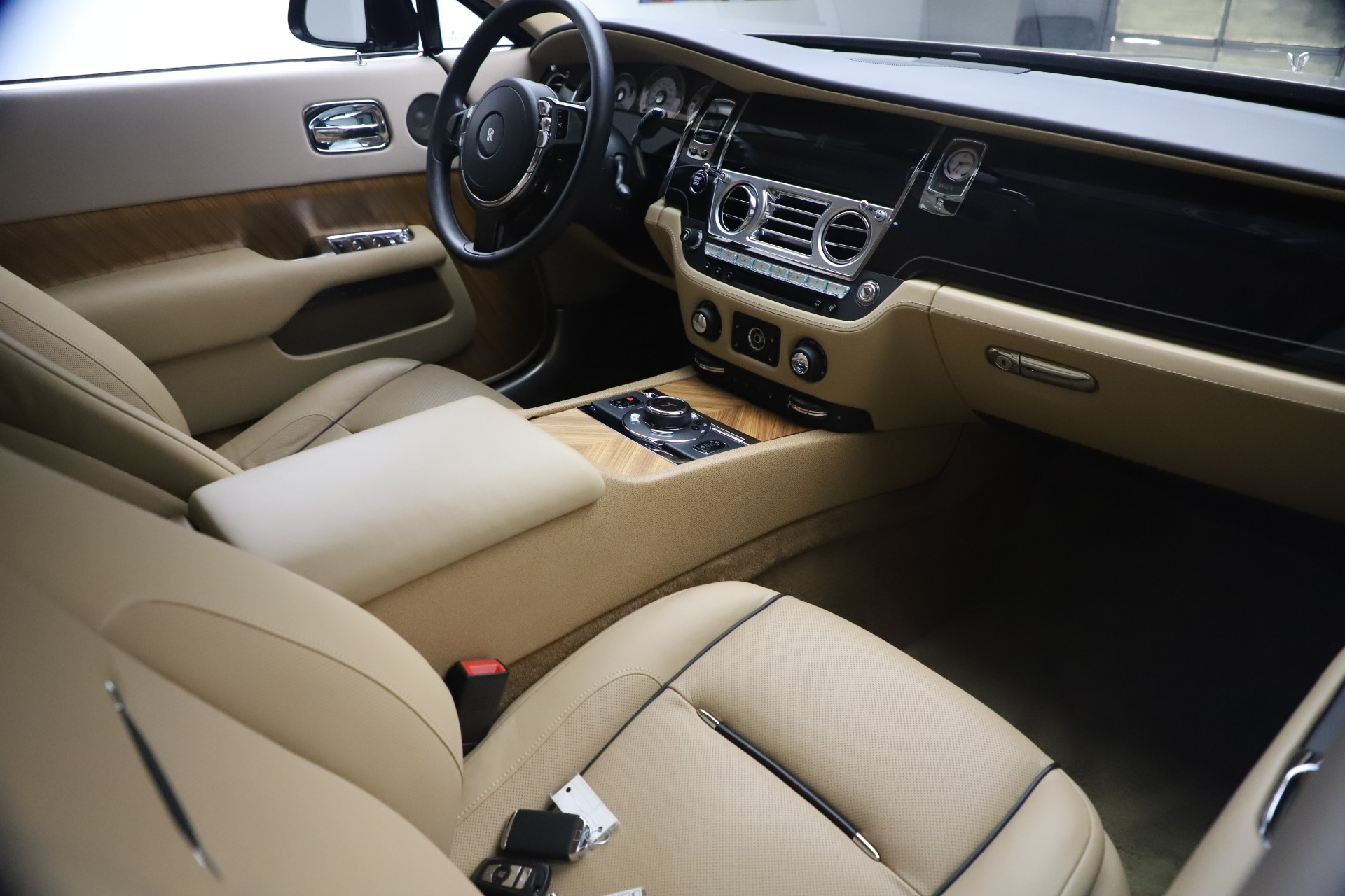 Used 2015 Rolls-Royce Wraith  For Sale In Greenwich, CT 3184_p20