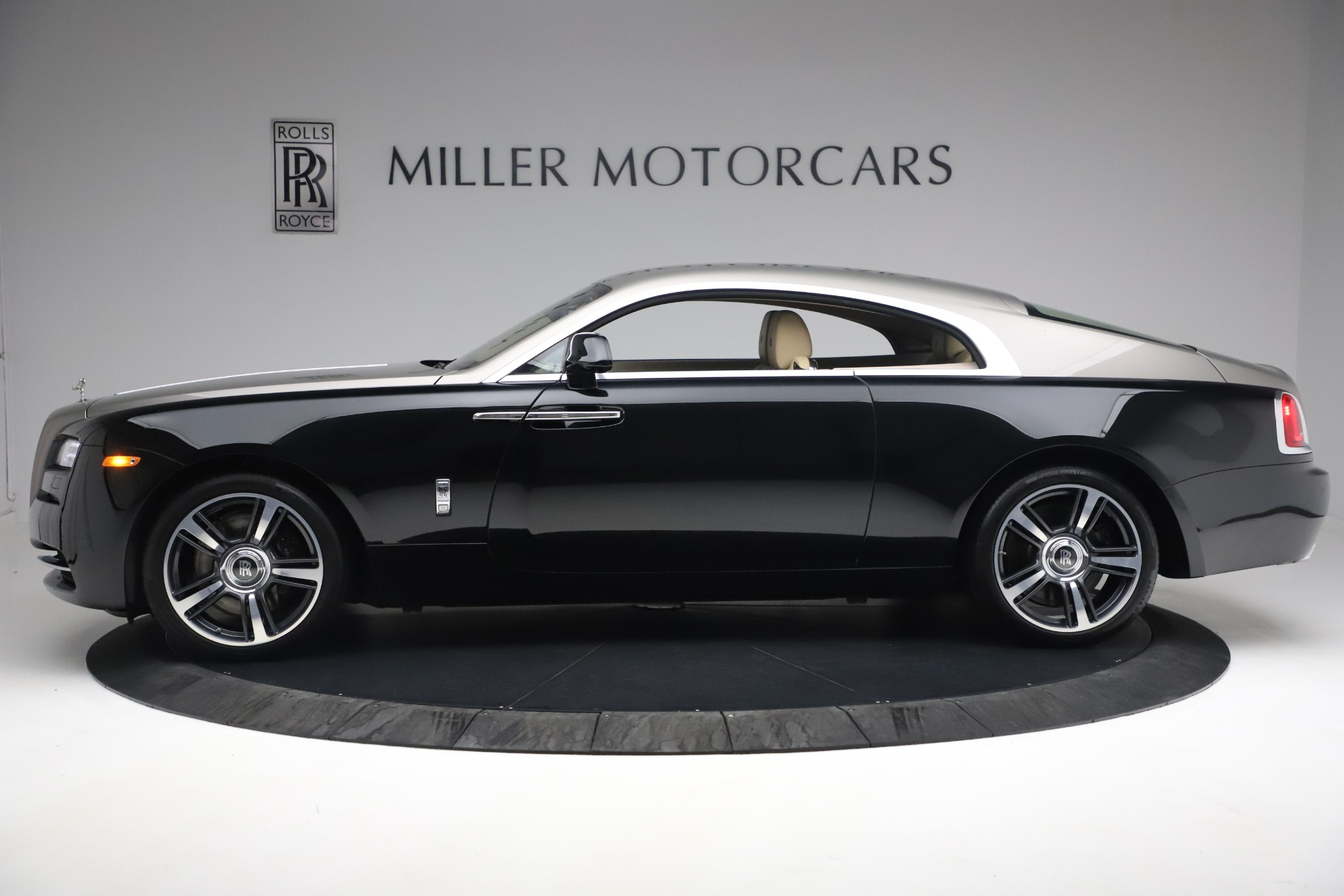 Used 2015 Rolls-Royce Wraith  For Sale In Greenwich, CT 3184_p5