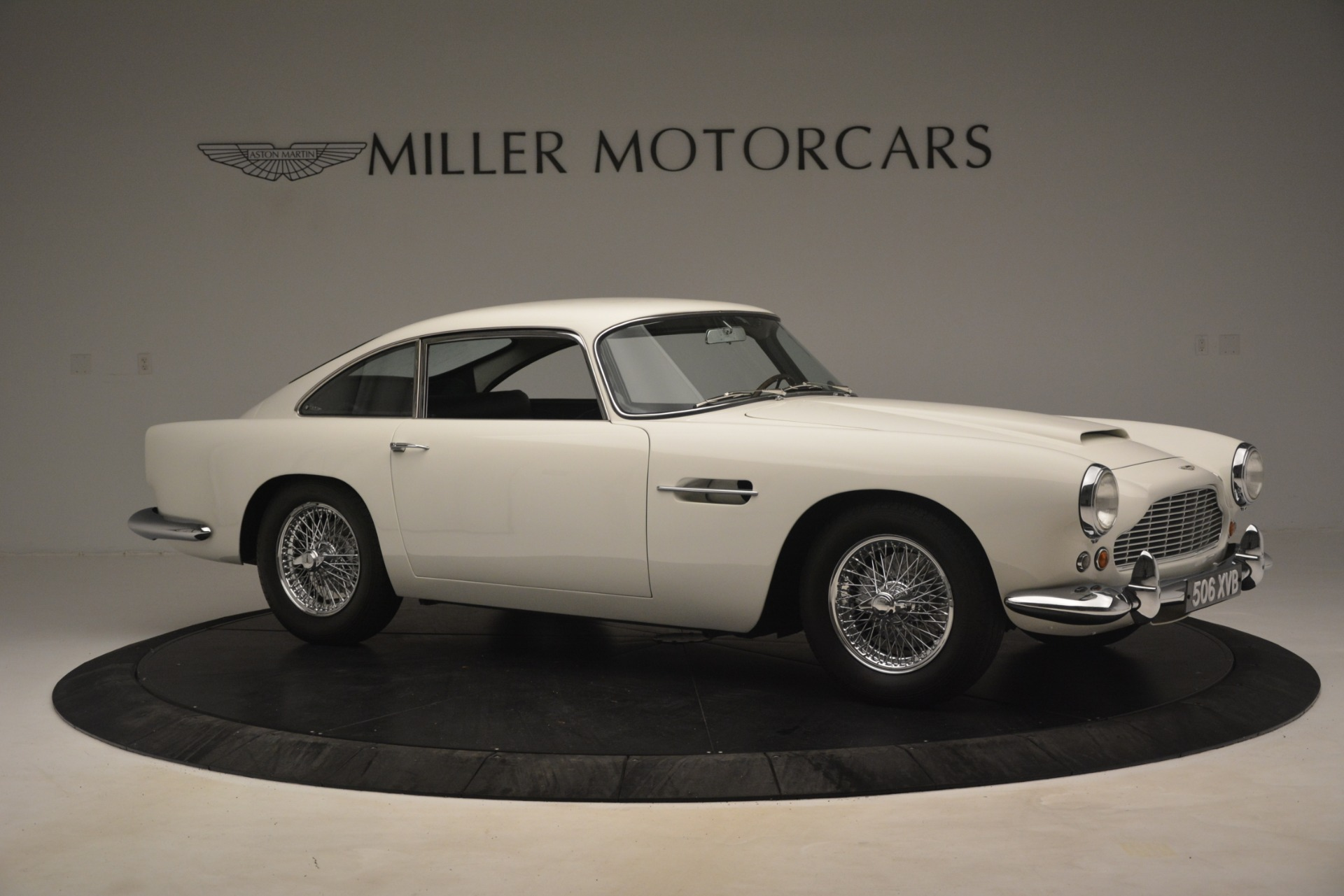 Used 1961 Aston Martin DB4 Series IV Coupe For Sale In Greenwich, CT 3186_p10