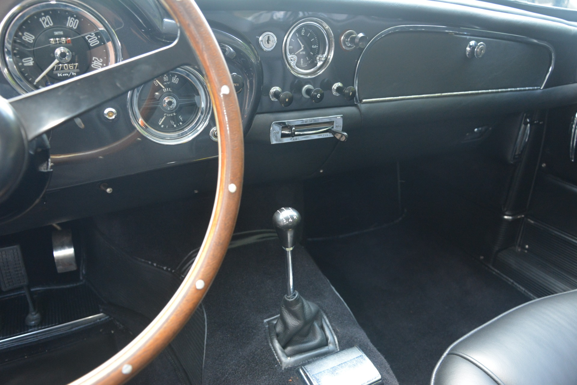 Used 1961 Aston Martin DB4 Series IV Coupe For Sale In Greenwich, CT 3186_p31