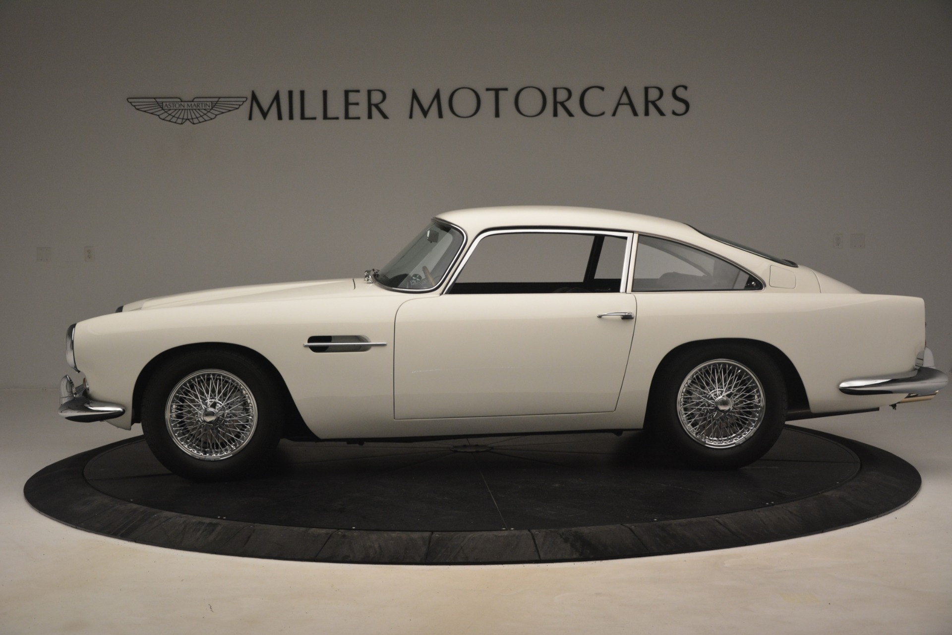 Used 1961 Aston Martin DB4 Series IV Coupe For Sale In Greenwich, CT 3186_p3